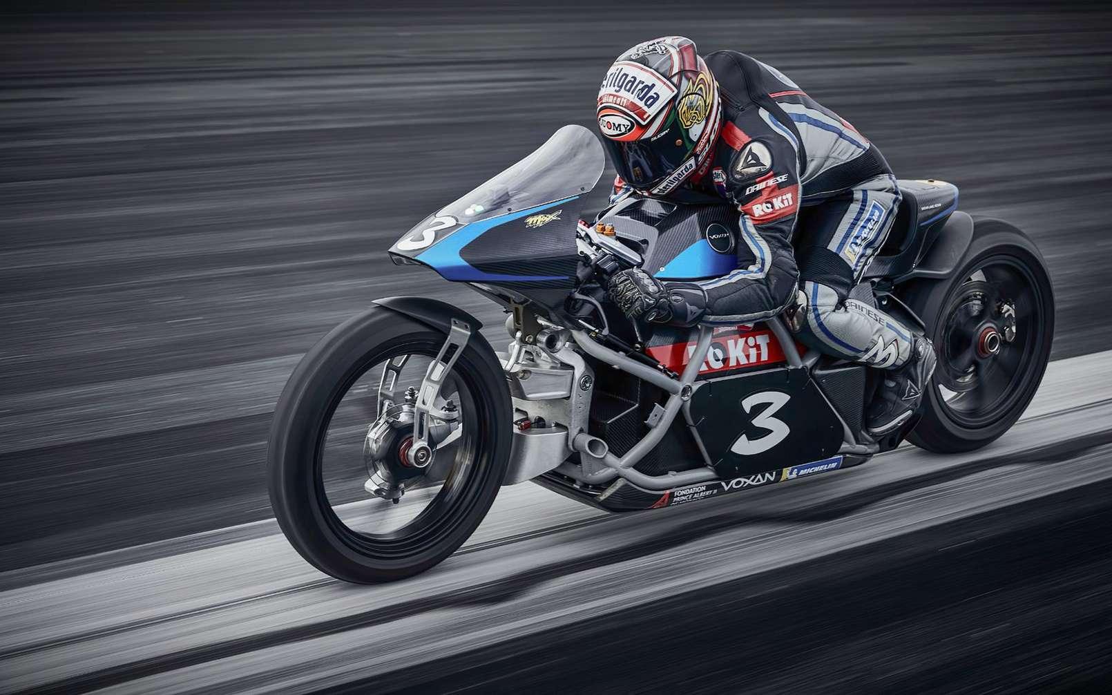 La Voxan Wattman avec à son guidon le sextuple champion du monde de moto Max Biaggi. © Voxan