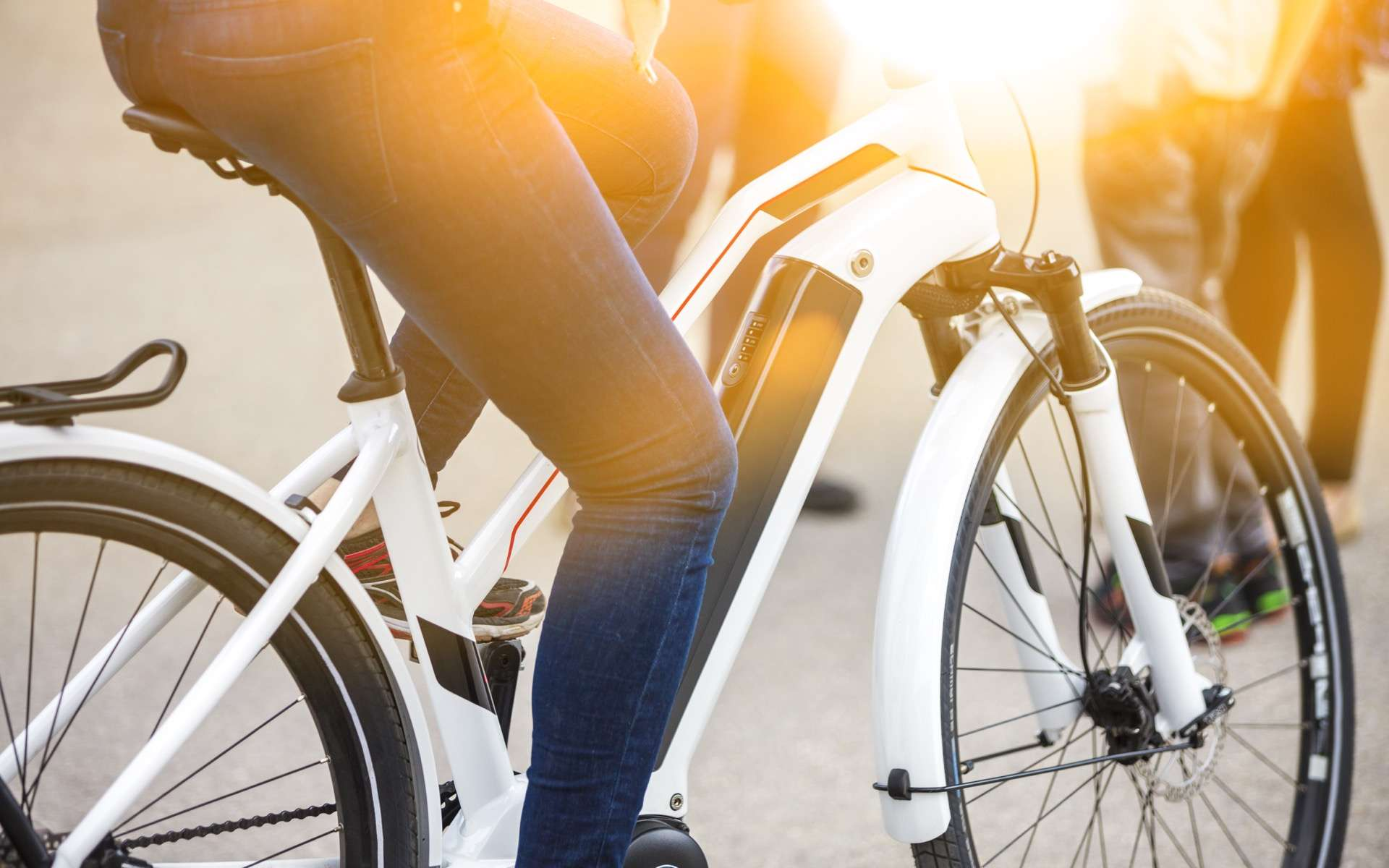 Tout savoir au moment de choisir son vélo électrique. © mmphoto, Adobe Stock