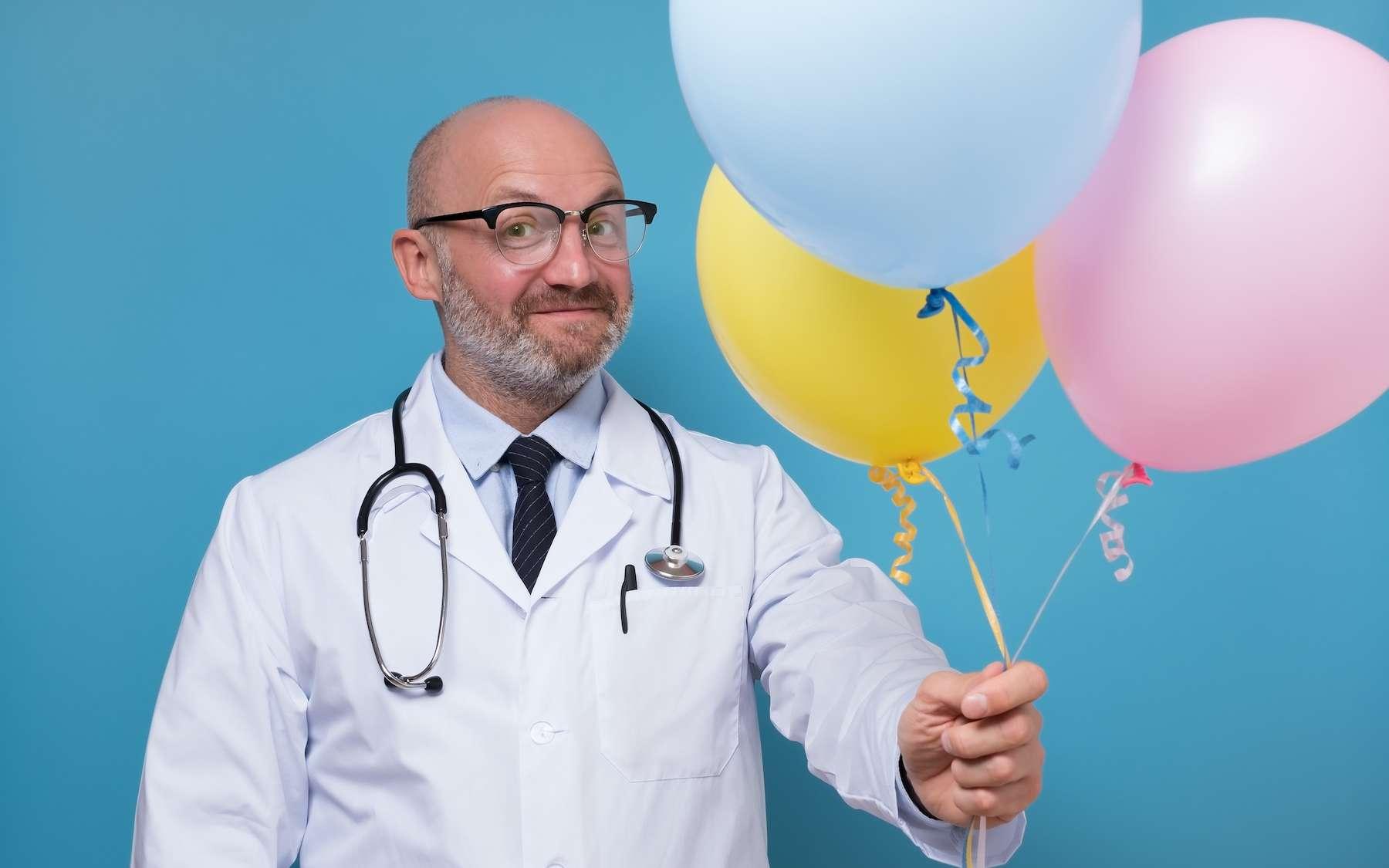 Être opéré le jour de l'anniversaire du chirurgien présente un risque de mortalité plus élevé. © Victor Koldunov, Adobe Stock