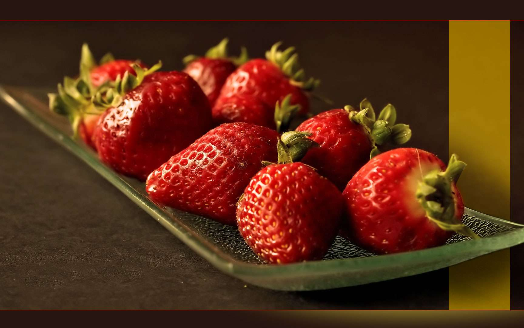 La fraise Gariguette est une variété très appréciée qui a été obtenue, en 1976 à l'Inra par croisement entre les variétés Belrubi et Favette. © YannGarPhoto, CC by-nc 2.0