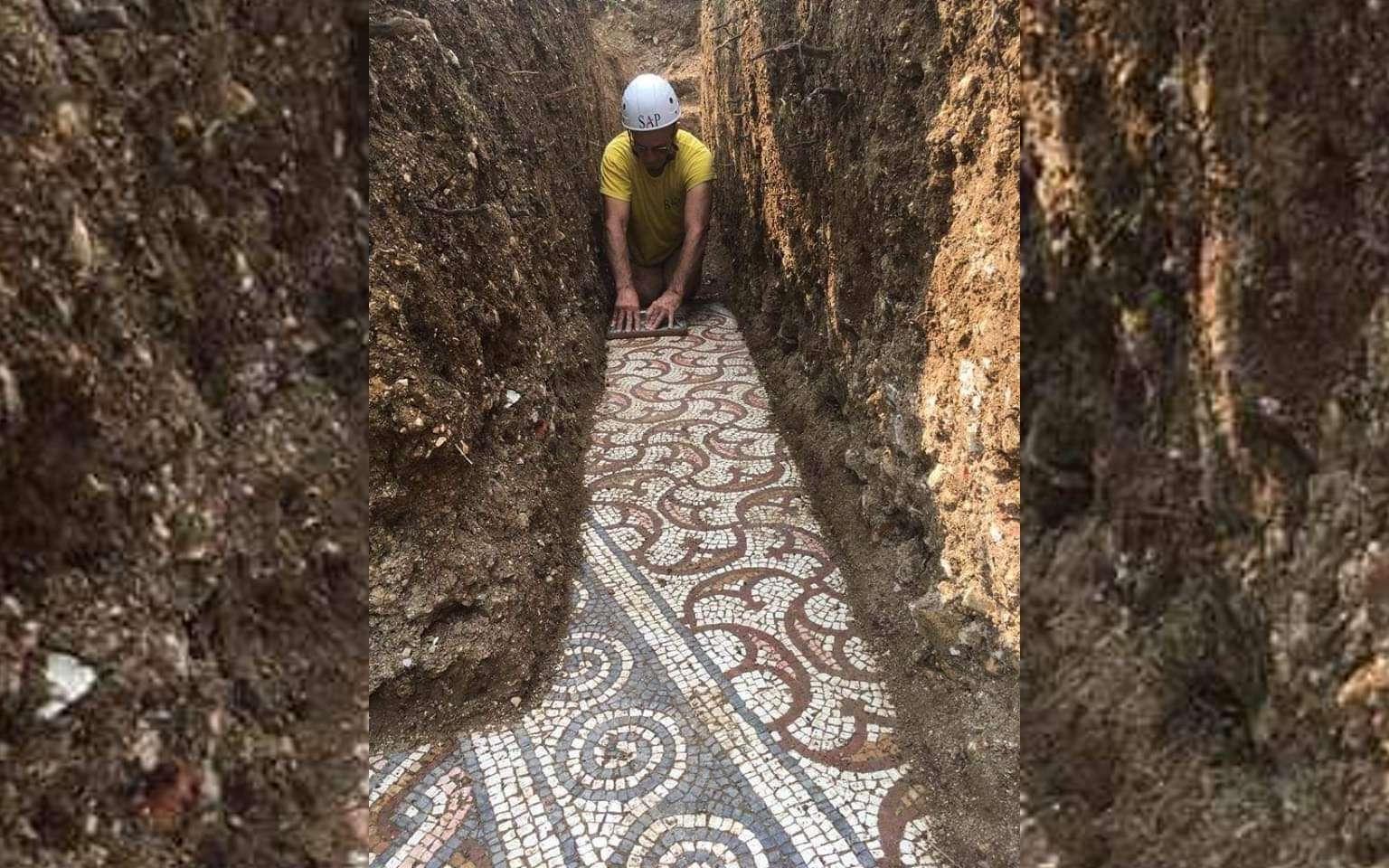 Une mosaïque datant de l'époque romaine impériale a été découverte à Negrar di Valpolicella. © Società Archeologica