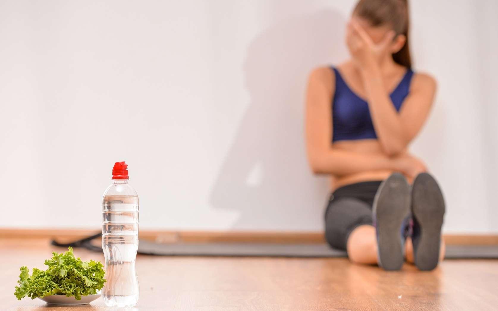 Le patient atteint de trouble du comportement alimentaire (TCA) doit retrouver une alimentation normale, grâce à un suivi médical, diététique et psychologique. © Yuriy Rudyy, Shutterstock