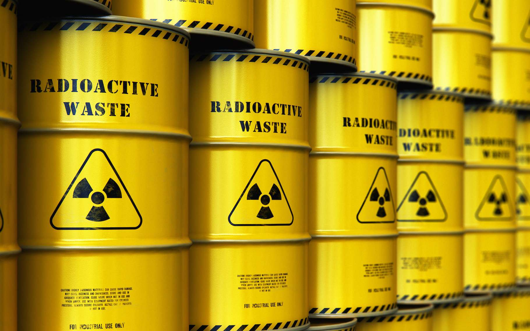 Des chercheurs de l'université de l'État de l'Ohio (États-Unis) attirent l'attention sur la fragilité du stockage des déchets nucléaires sous certaines conditions environnementales. © Scanrail, Adobe Stock