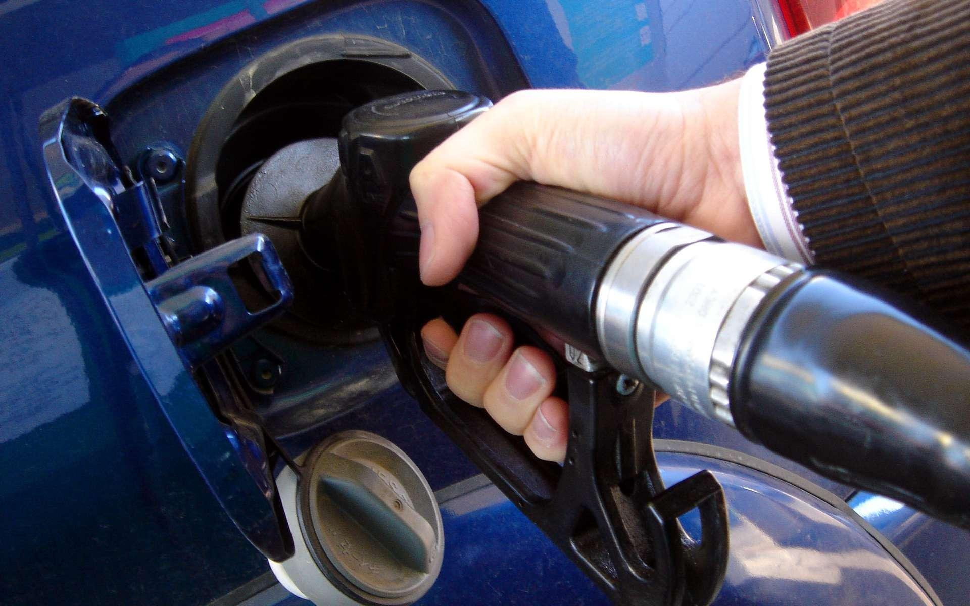Une équipe de chercheurs canadiens envisage d'alimenter les moteurs de nos voitures à l'aide de poudres métalliques, fines comme de la farine. © JaulaDeArdilla, Flickr, CC by-NC-ND 2.0