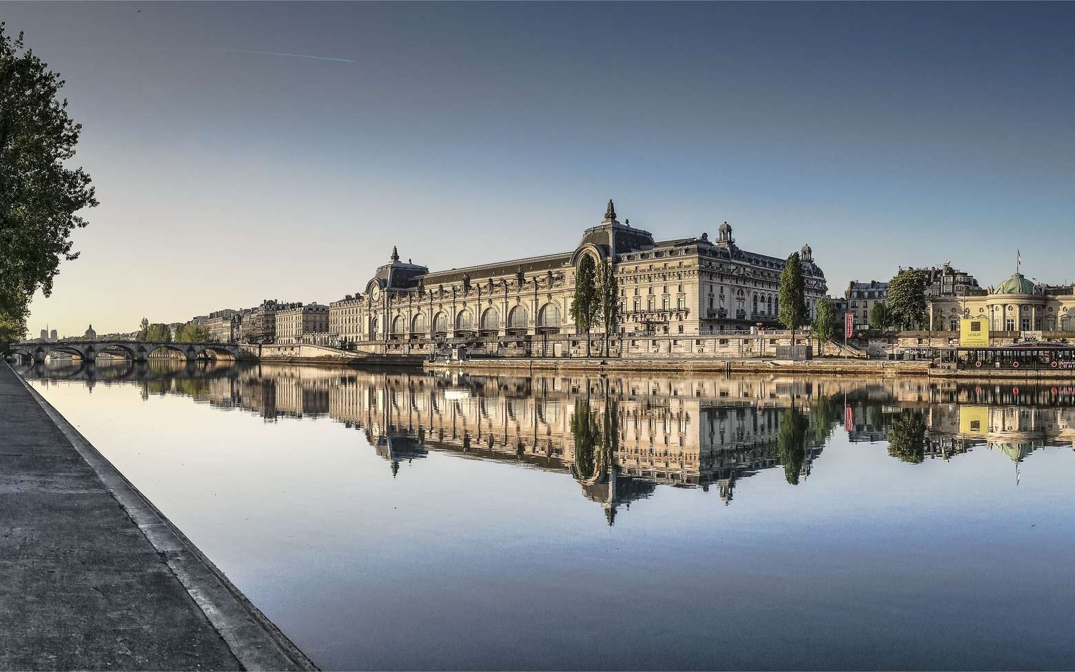 Le musée d'Orsay à Paris vu depuis la Seine. © 120bpm, fotolia