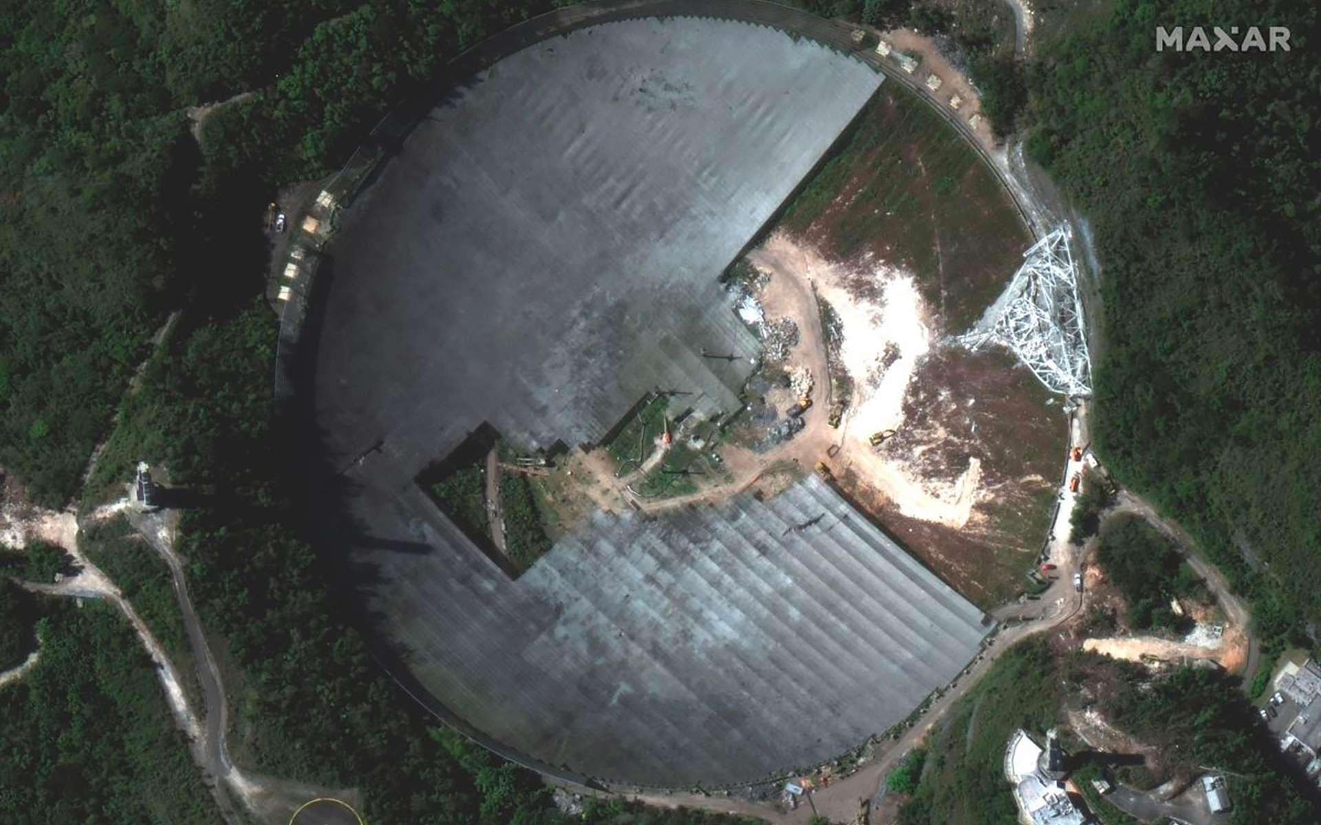 Le démontage de l'observatoire Arecibo vu depuis l'espace - Futura