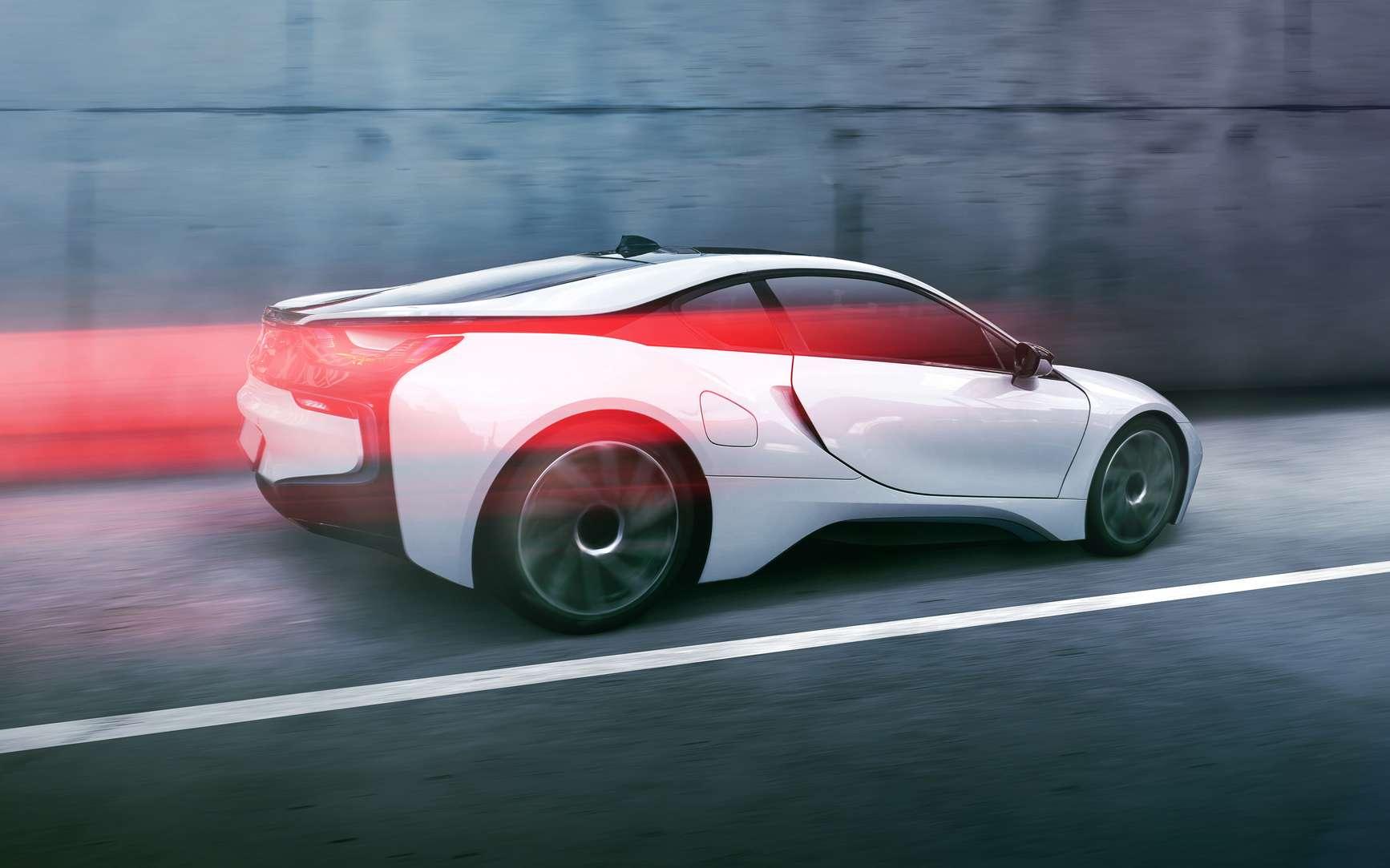 Le silence de la voiture électrique est reposant, mais pas sans danger pour les autres usagers. © Lassedesignen, Fotolia