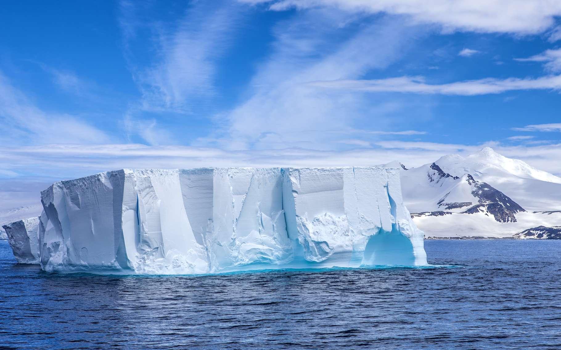 Antarctique : un iceberg géant s'est détaché près d'une base scientifique - Futura