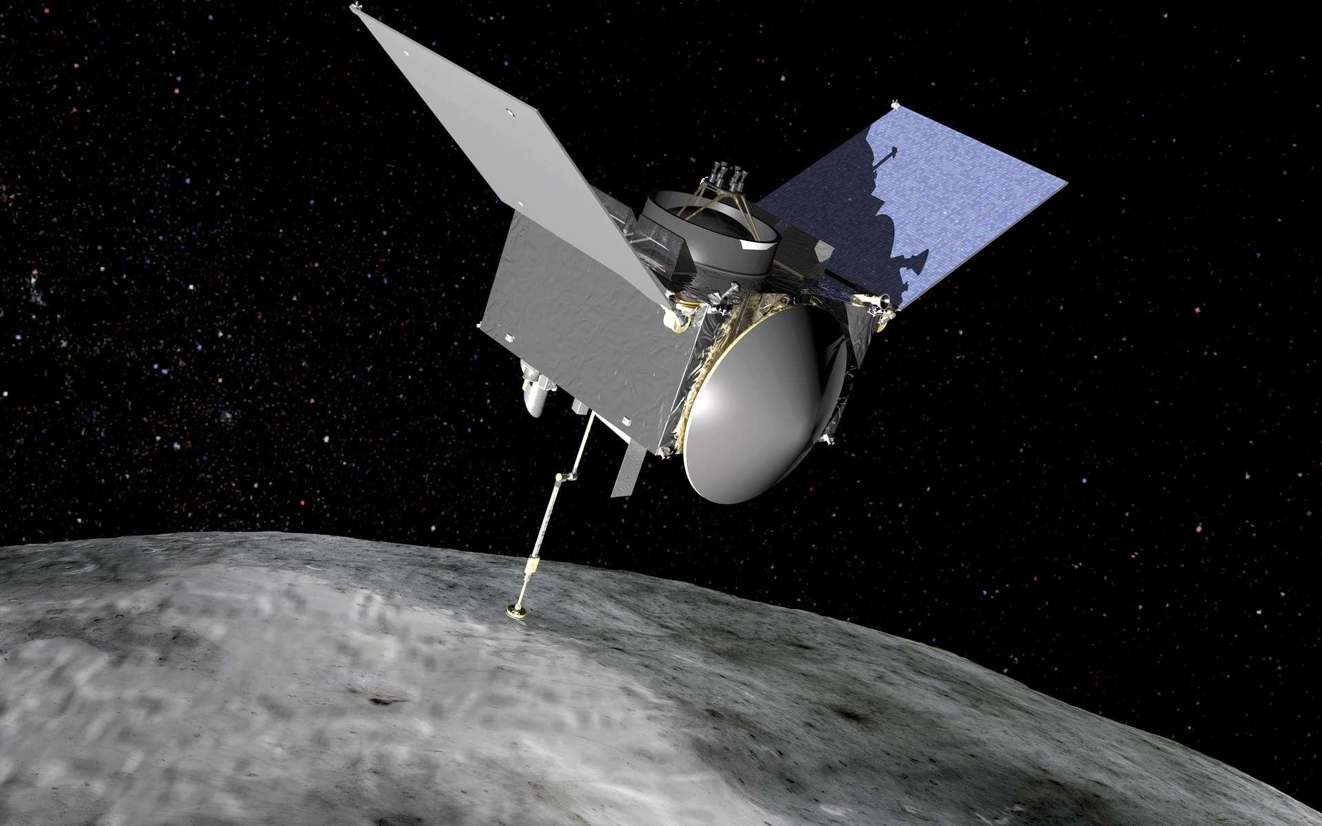 Osiris-Rex est la première mission américaine de retour d'échantillons d'un astéroïde. Cette sonde a été construite par la société Lockheed-Martin. La capsule qui rapportera les échantillons prélevés sur la surface de l'astéroïde Bennu se trouve au centre de l'image (elle est de couleur blanche). Elle ne doit pas être confondue avec l'antenne à grand gain, de même forme, mais plus grande, et qui servira à communiquer avec la Terre (visible à droite sur l'image). © Nasa