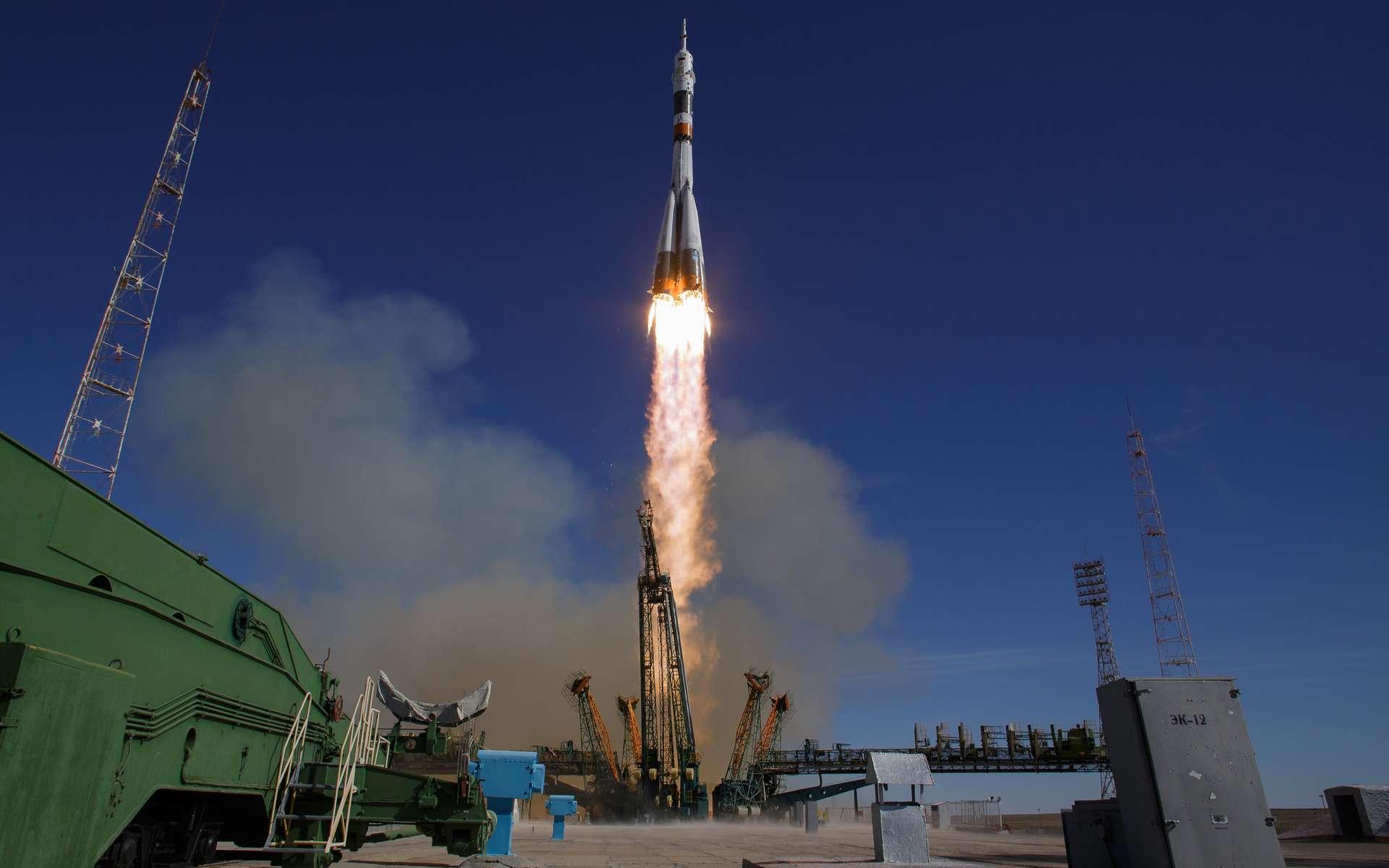 Le lanceur Soyouz au décollage avec à son bord les deux astronautes qui, quelques secondes après, redescendront précipitamment sur Terre. © Nasa, Bill Ingalls