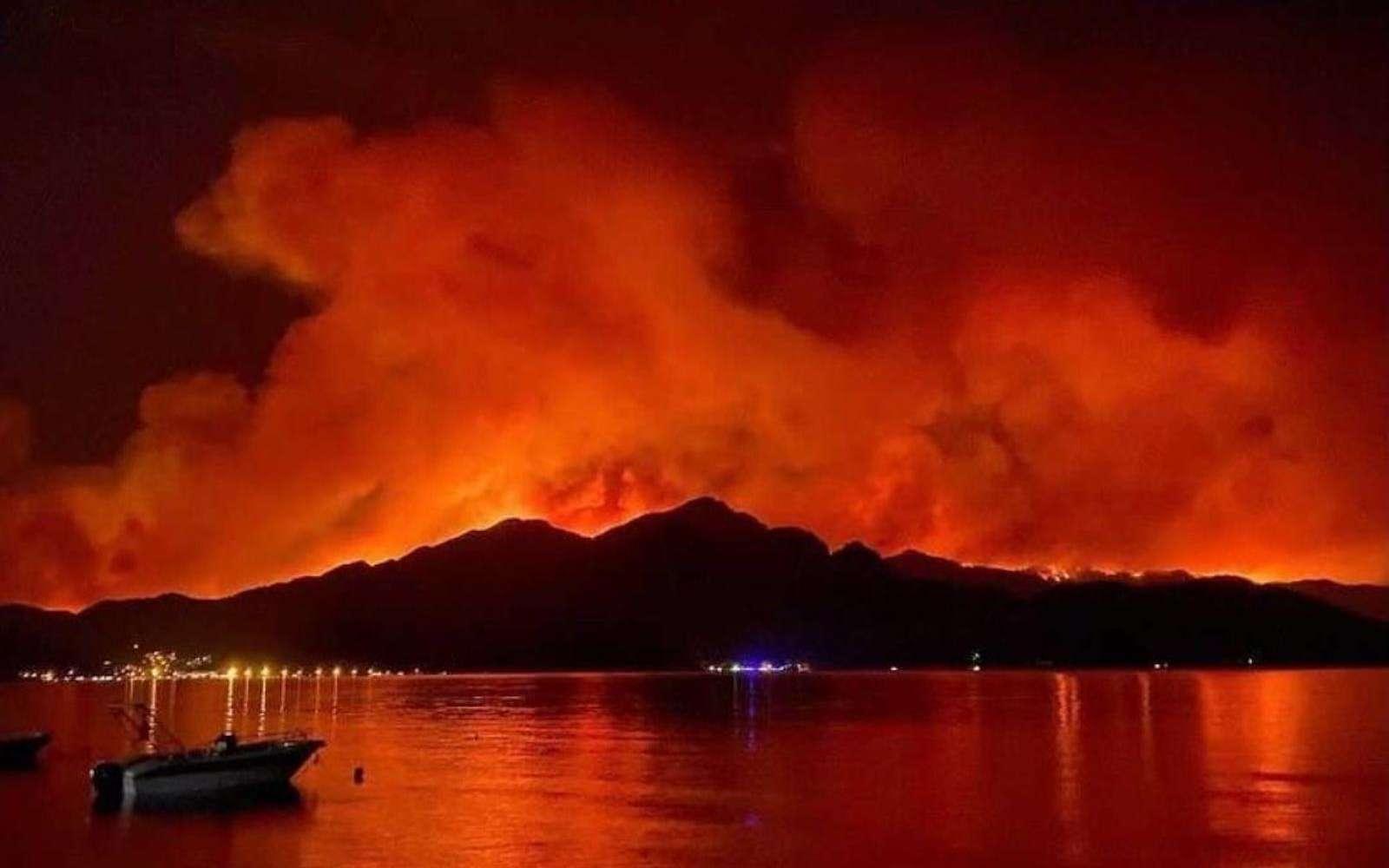 Les incendies de forêt en Turquie. © Archaeology & Art, Twitter