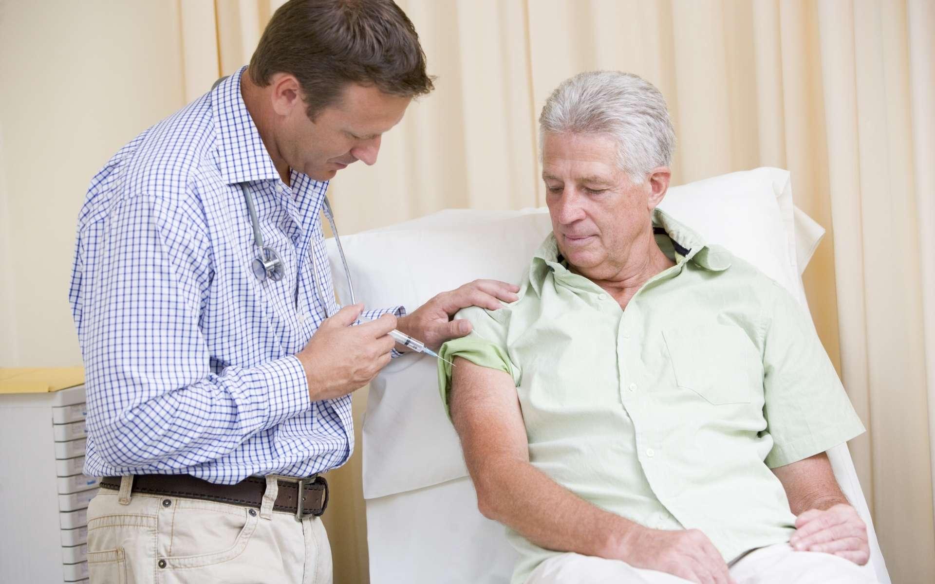 L'immunogénicité, la capacité d'un antigène à provoquer une réponse immunitaire, dépend notamment de l'âge du patient. © Phovoir