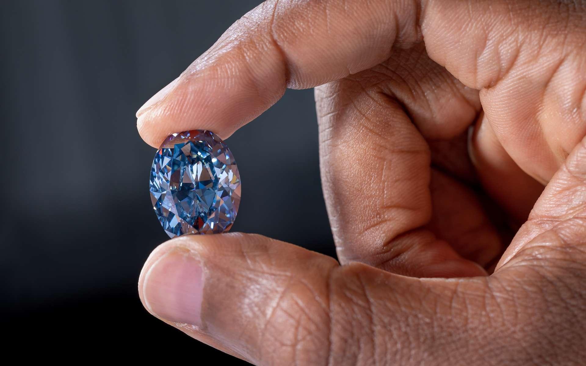 Le diamant bleu doit sa couleur à la présence de bore. © Okavango Diamond Company