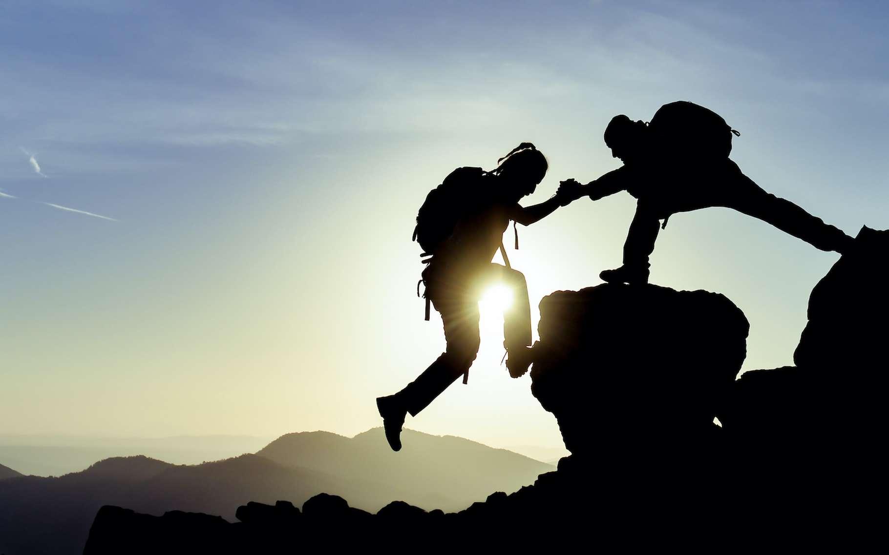 Défier la nature peut comporter des risques. Parmi les sports les plus dangereux au monde : l'alpinisme, la chute libre et la plongée. © emerald_media, Adobe Stock