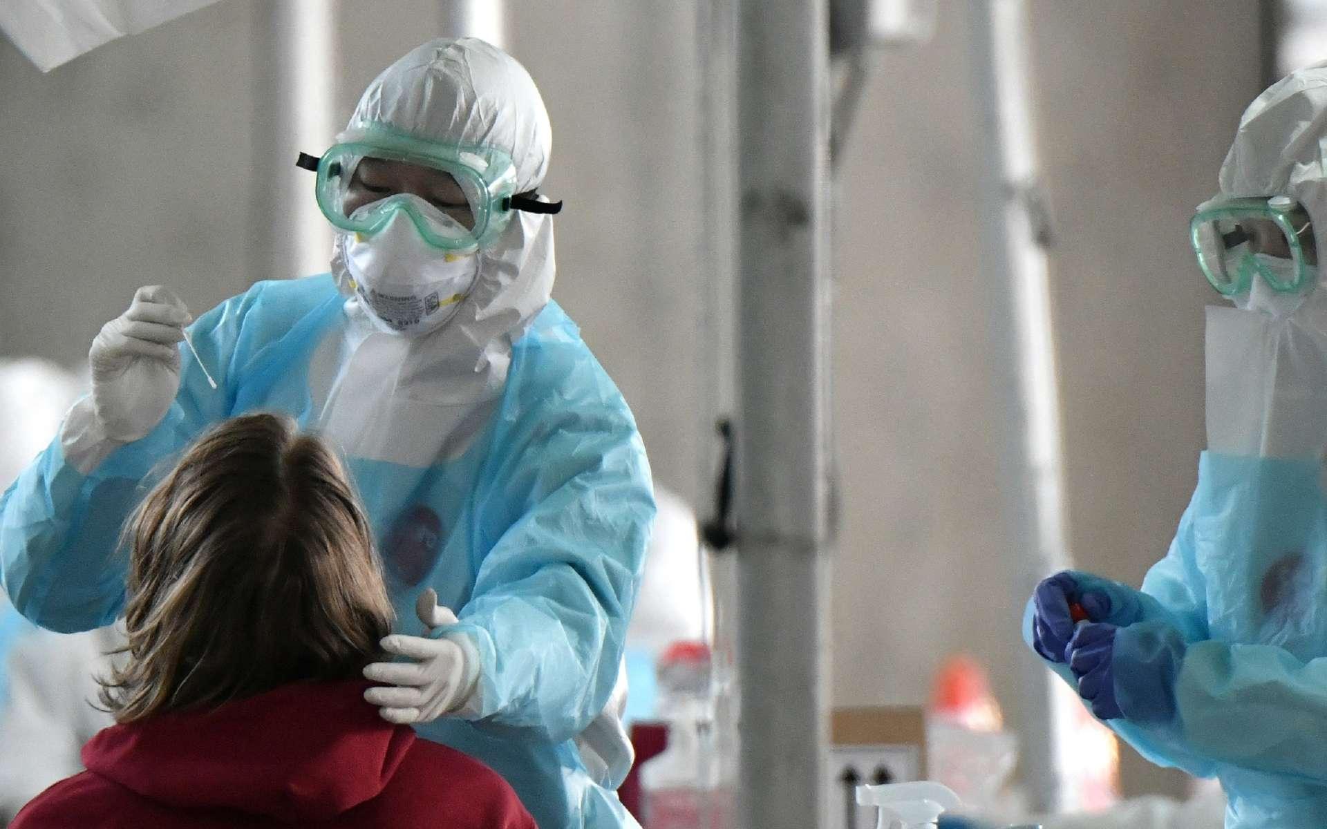 Les scientifiques du monde entier planchent sur cette question de l'immunité après avoir été infecté par le coronavirus. © Jung Yeon-je, AFP