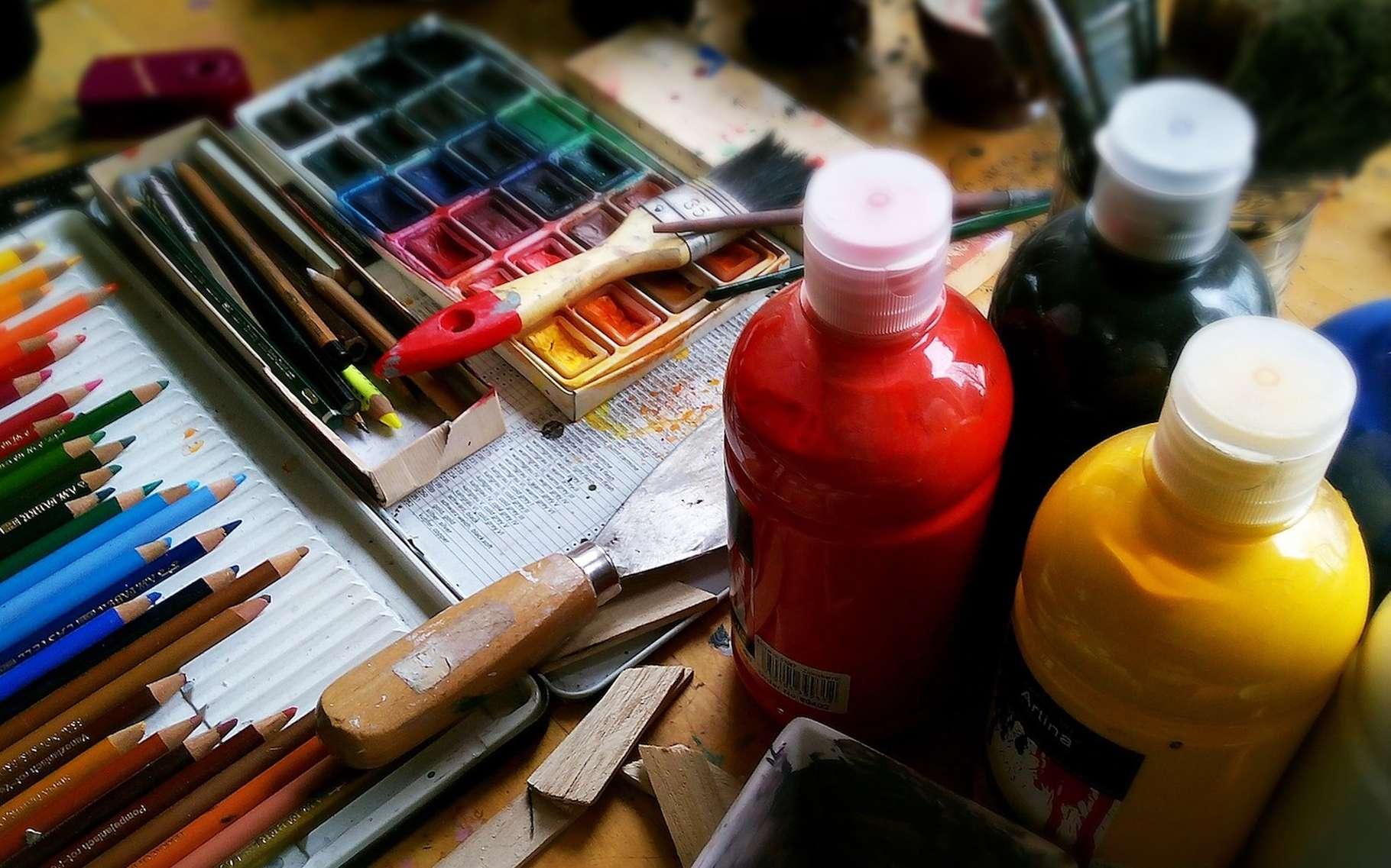 Le toluène est un hydrocarbure aromatique que l'on trouve, entre autres, dans les solvants pour peintures. © bodobe, Pixabay, CC0 Creative Commons