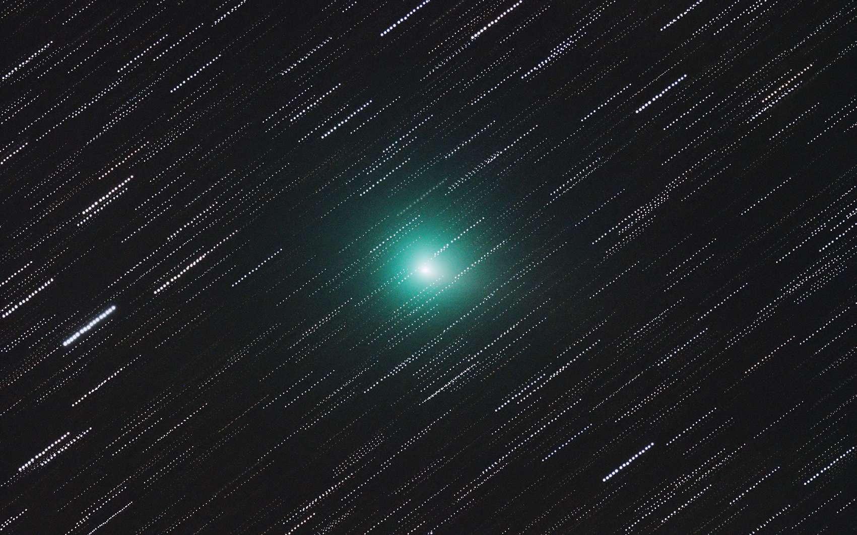 La comète 41P/Tuttle-Giacobini–Kresak photographiée le 27 mars 2017 peu avant son passage au plus proche de la Terre. © Gábor Szendrői, Spaceweather