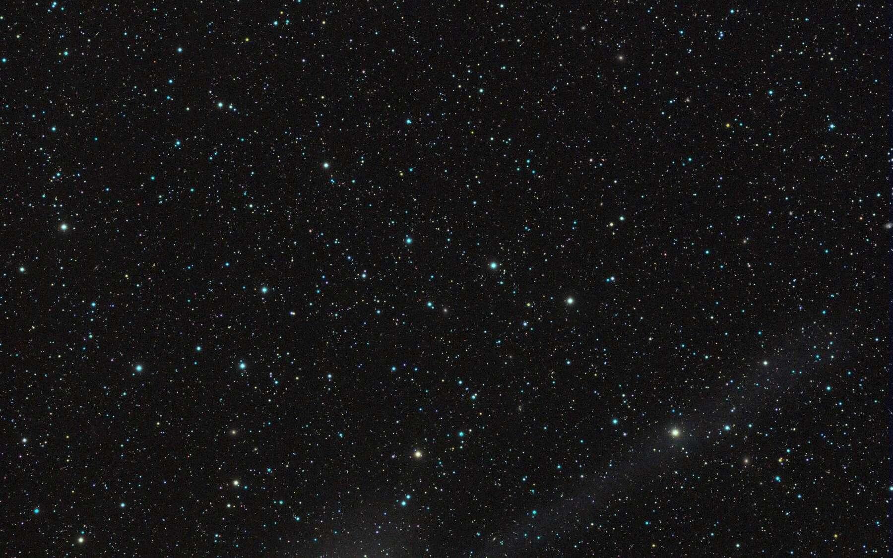 La comète Garradd photographiée le 31 janvier 2012 à proximité de l'amas globulaire M 92. © R. Ligustri