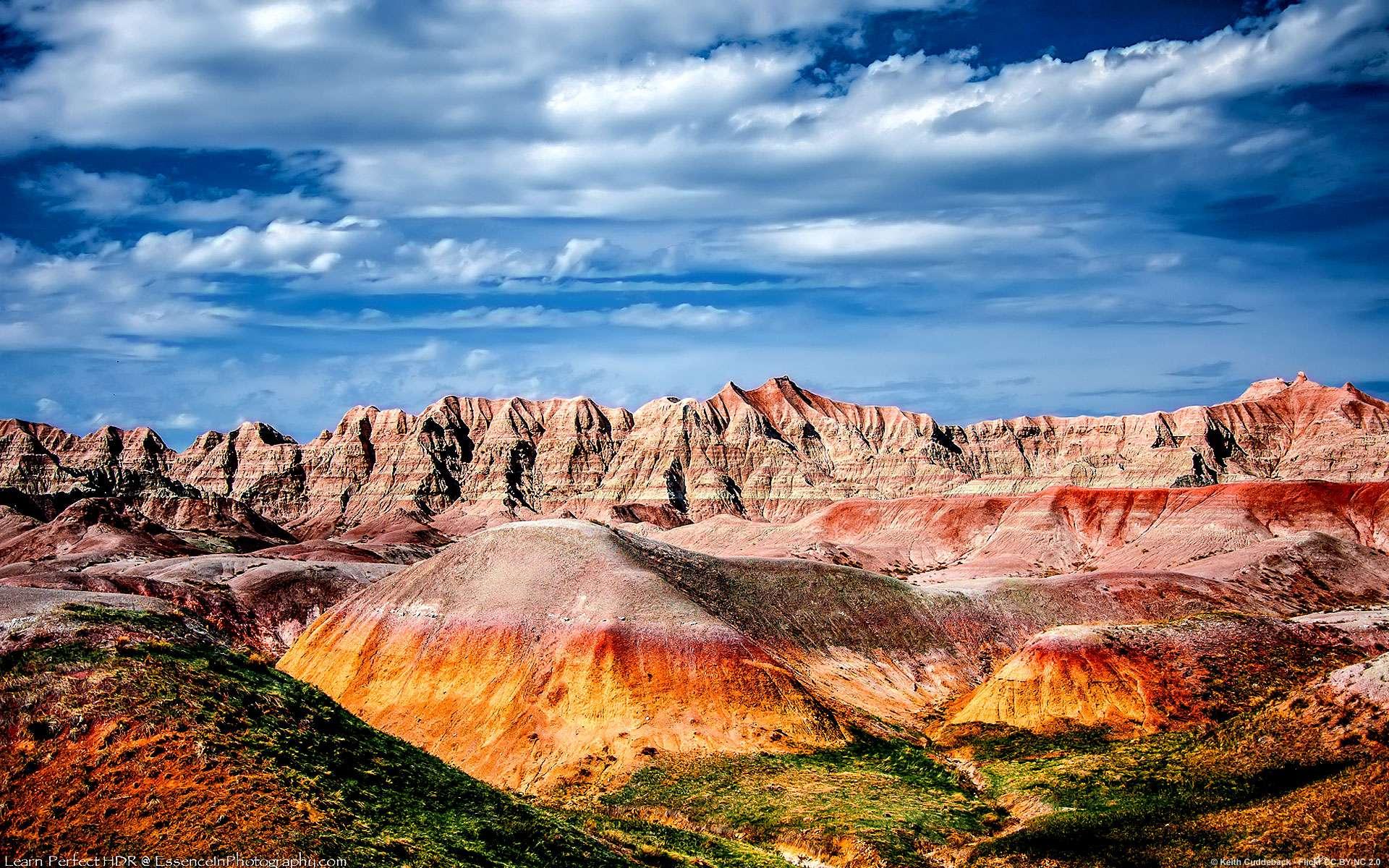 Situé dans le Dakota du Sud, le parc national des Badlands (« mauvaises terres » en français) tient son nom de son paysage extrême ressemblant à une vallée lunaire au fond de laquelle coule la rivière Red Deer. Localisation : Dakota du Sud. © Keith Cuddeback, Flickr, CC by-nc-nd 2.0