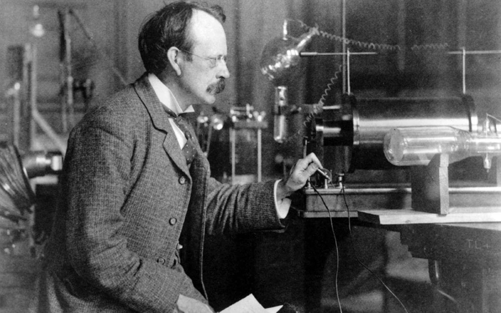 Sir Joseph John Thomson (18 décembre 1856 - 30 août 1940), le découvreur de l'électron. © Cavendish Laboratory, université de Cambridge