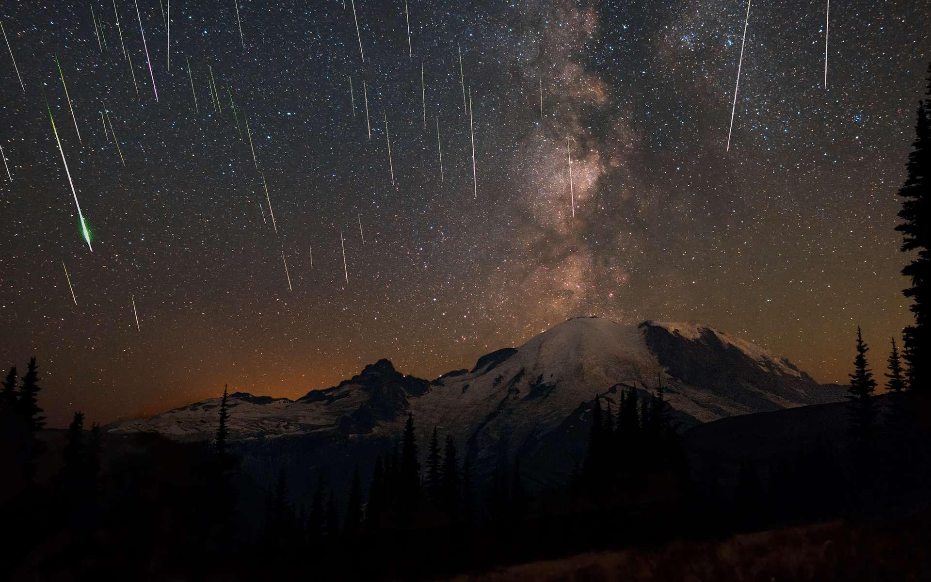 Avec les Géminides en décembre, les Perséides est une des plus belles et importantes pluie d'étoiles filantes de l'année. © Matthew Dieterich, National Parks