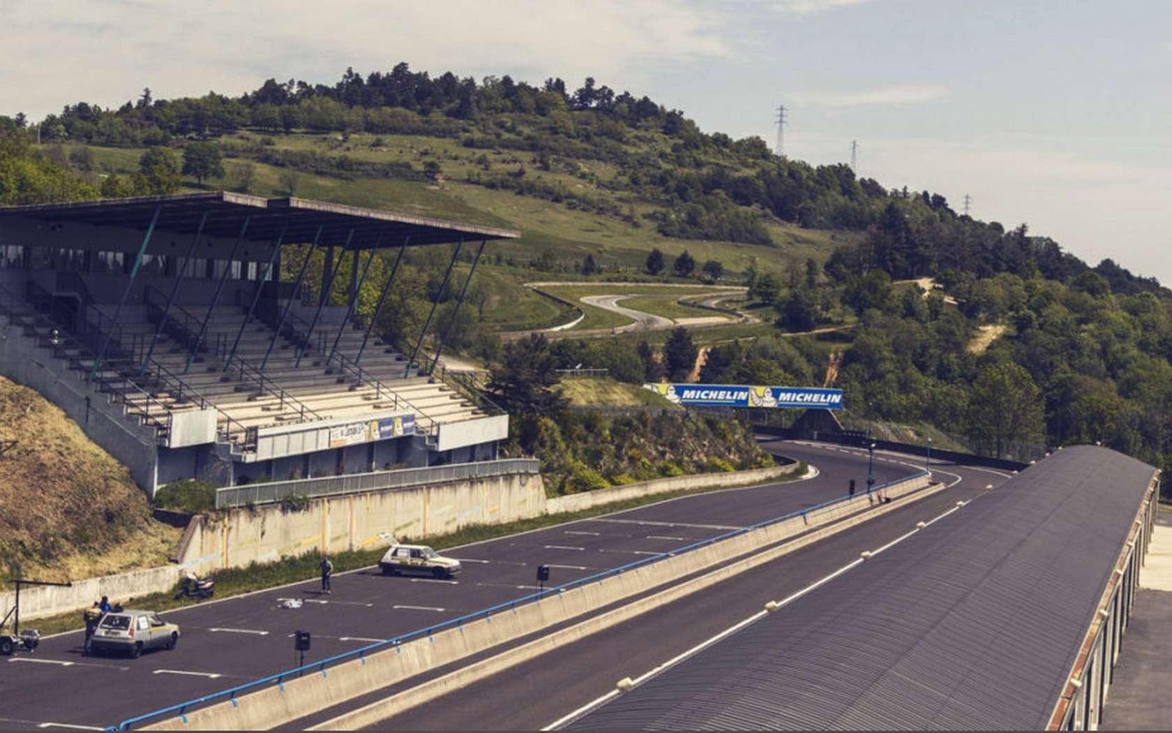 Le circuit de Charade s'étend sur un tracé de 8 km. © Circuit de Charade