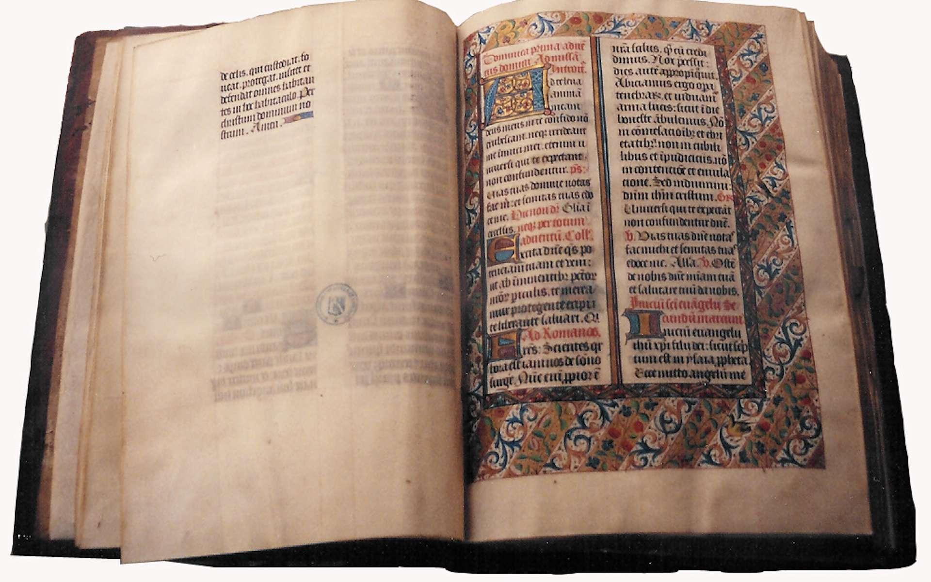 Les manuscrits au Moyen Âge étaient essentiellement rédigés par des moines copistes. © Frédéric Brice, Wikimedia Commons, CC by-sa 3.0