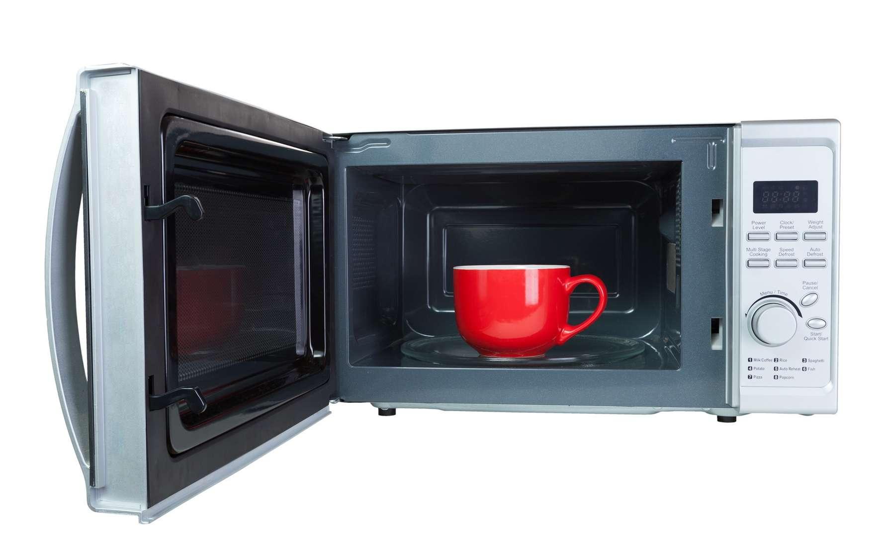 Passer son thé au micro-ondes, un sacrilège ? © Reload Studio, Fotolia