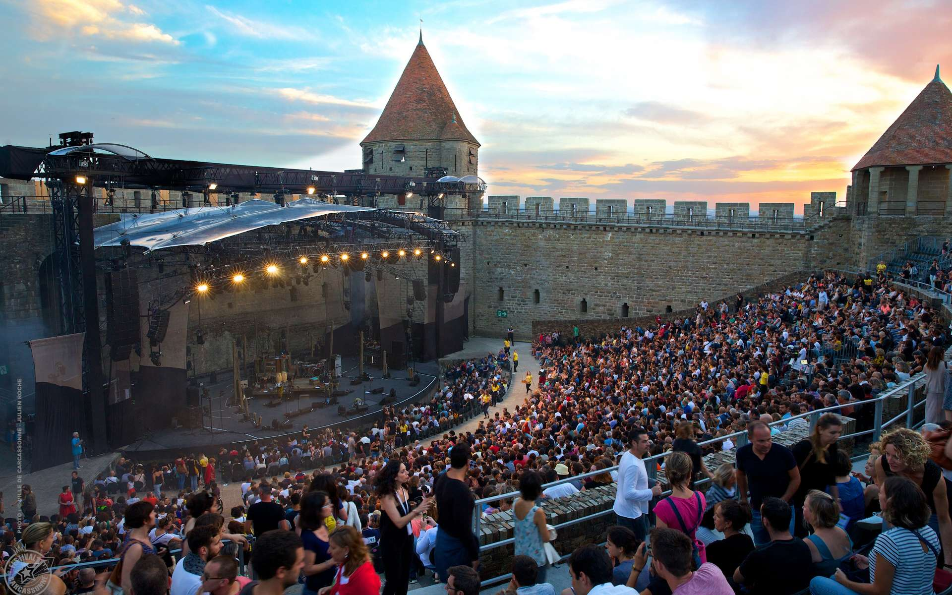 Magiques, les concerts du festival de la cité de Carcassonne au cœur des remparts. © Julien Roche, Ville de Carcassonne
