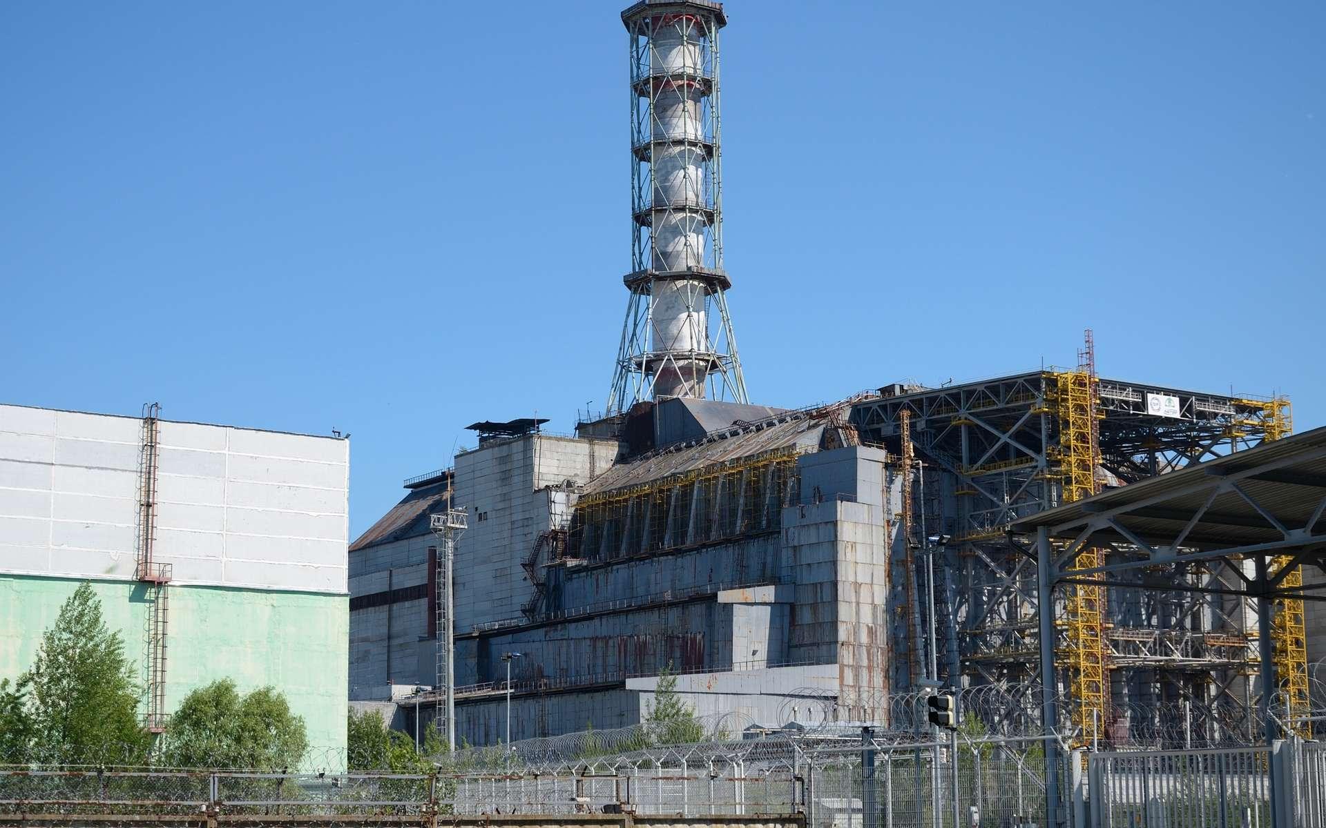 Le mois d'avril 1986 se terminait bien mais au nord de l'Ukraine, un réacteur nucléaire explosait près de Tchernobyl, ravageant la centrale, irradiant le secteur et expédiant des milliers de tonnes de poussières radioactives dans l'atmosphère. © Bkv7601, CC by-sa 3.0