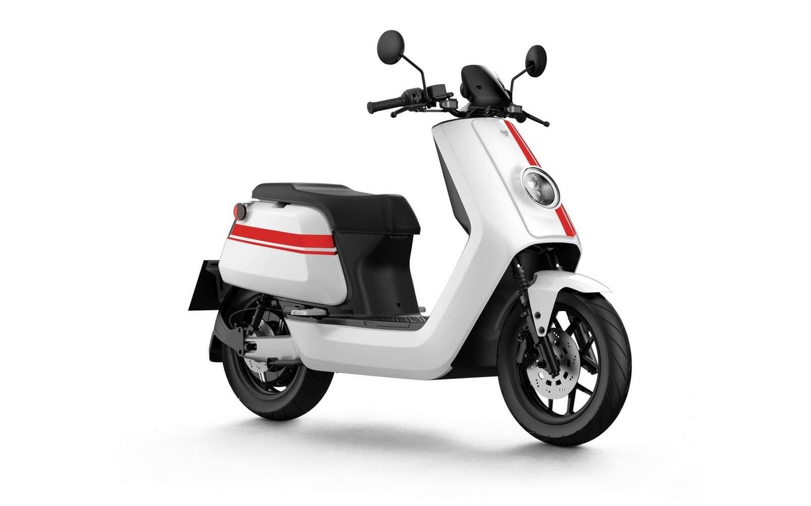 Le scooter électrique NQi GTS Pro est équipé de deux batteries lithium ion 60V. © NIU