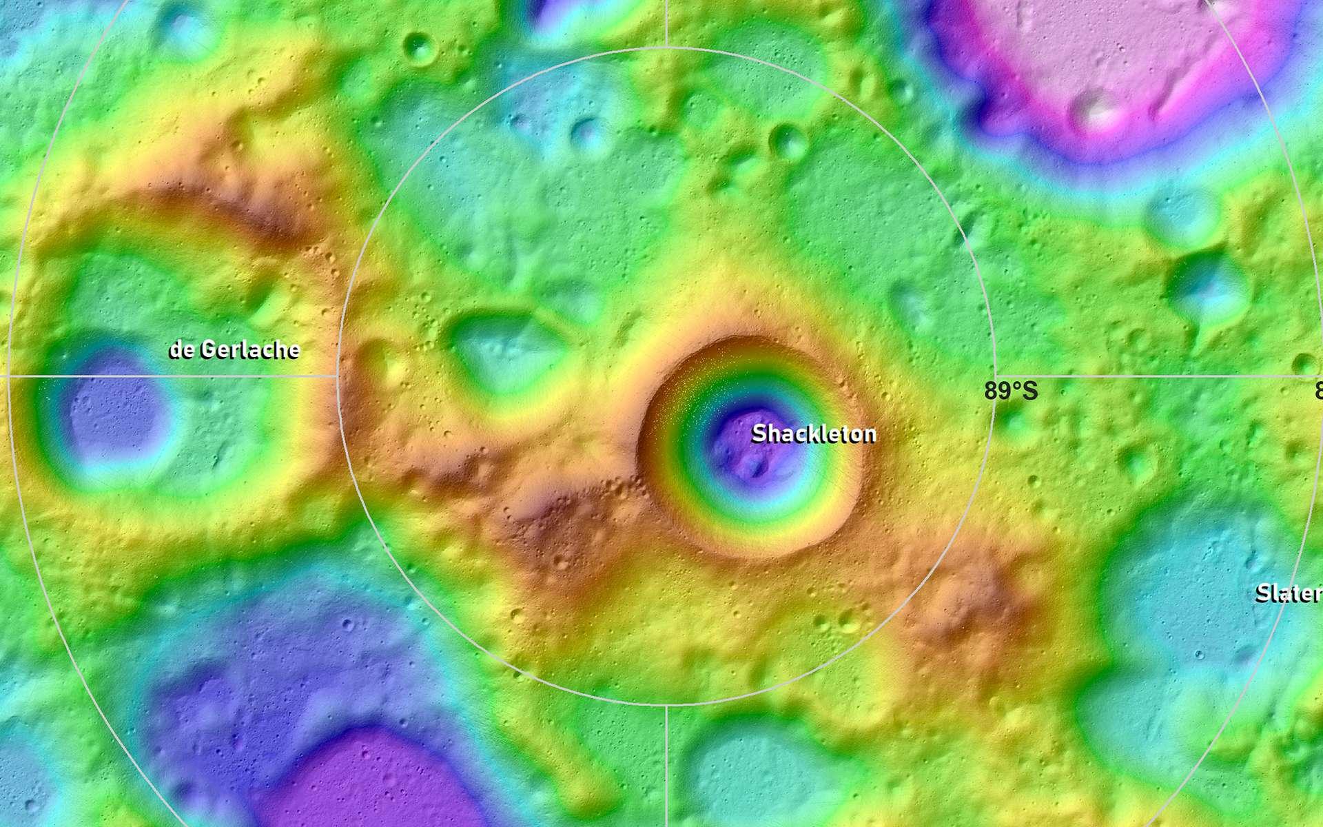 Carte topographique du pôle Sud lunaire centré sur le cratère Shackleton, souvent cité comme probable site d'installation d'une base habitée. © Nasa, Lunar and Planetary Institute Contribution