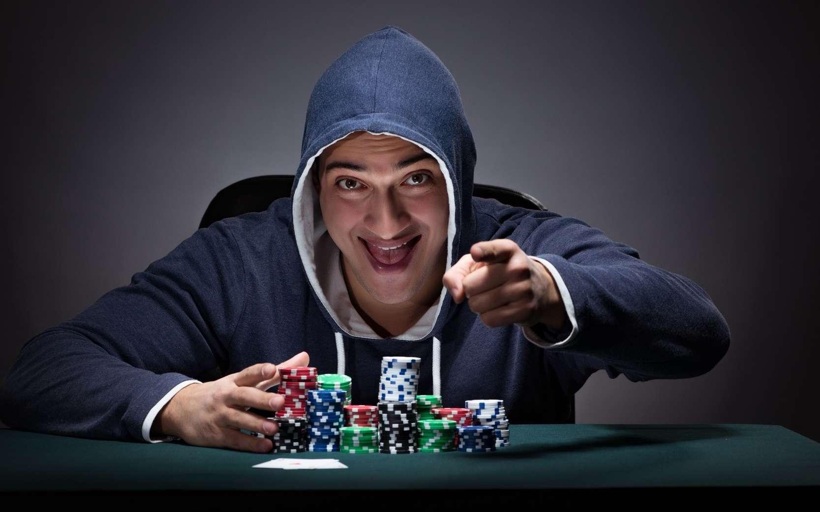Le circuit de la récompense est impliqué dans la dépendance aux drogues ou à certaines situations (jeux d'argent, jeux vidéo…). © Elnur, Fotolia