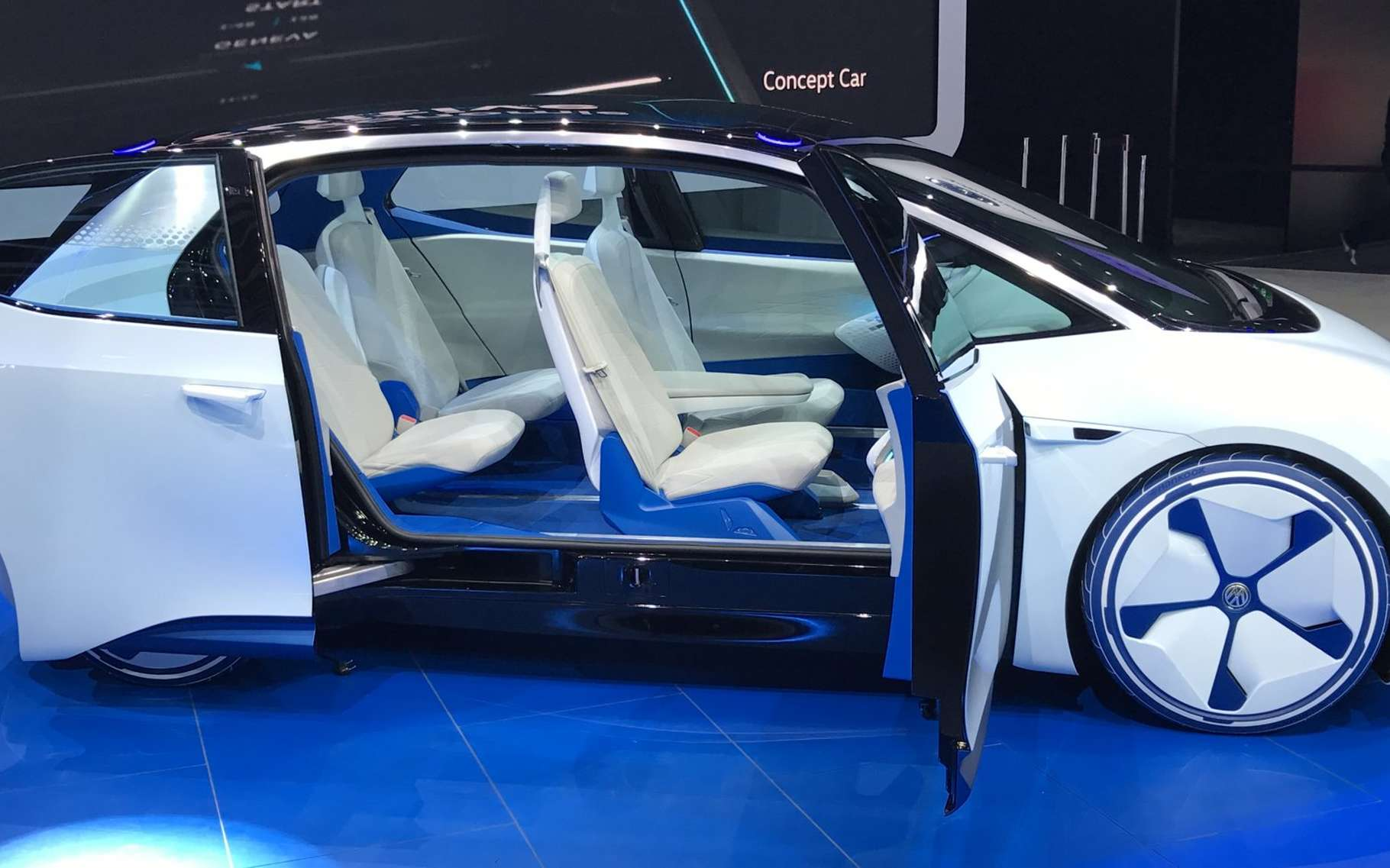 Le concept de voiture électrique ID présenté par Volkswagen au Mondial de Paris 2016. © David Bénard, Relaxnews