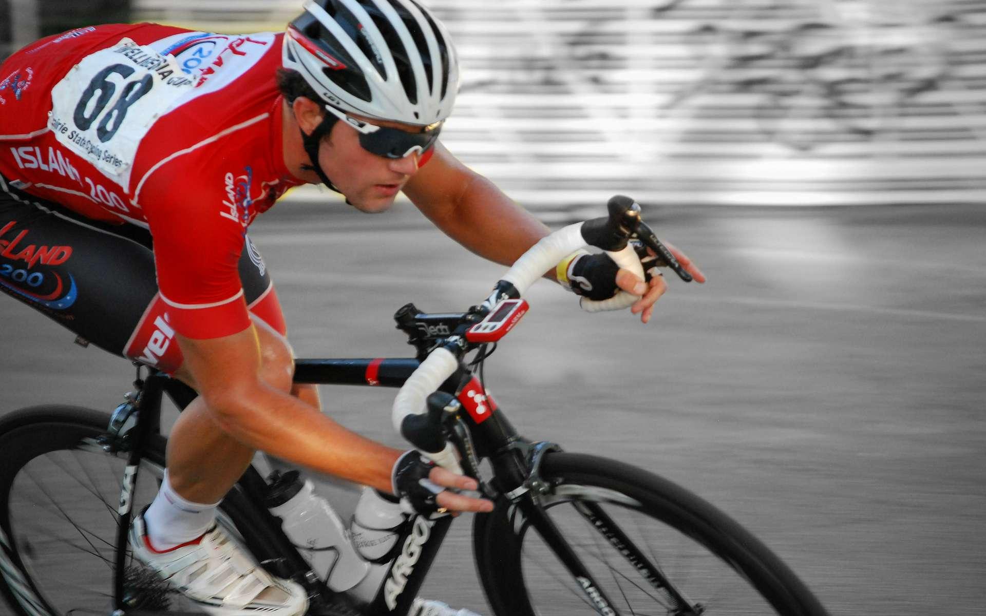 Les cadres de vélos de compétition sont aujourd'hui faits en fibre de carbone. © clarkmaxwell, Flickr, CC by-nc-nd 2.0
