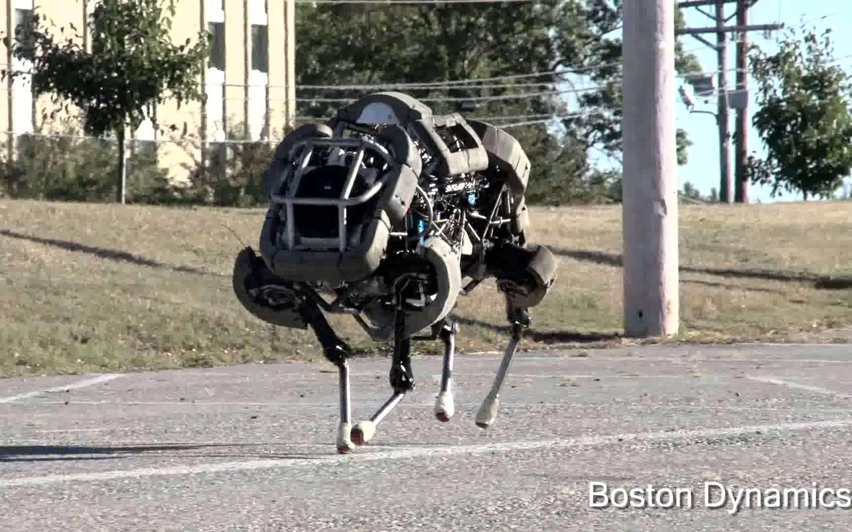 Qu'ils marchent, comme ce WildCat de la firme Boston Dynamics, qu'ils roulent ou qu'ils volent, les robots militaires gagnent d'année en année en autonomie. Ce qui leur donnera sous peu le permis de tuer. © Boston Dynamics
