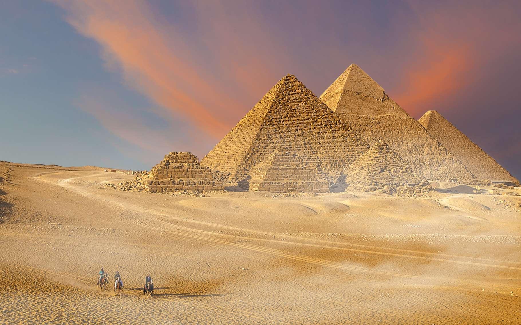 C'est en fouillant un terrain avant le creusement des fondations d'un immeuble à Alexandrie que des archéologues ont fait une découverte étonnante. Un sarcophage aux dimensions démesurées. © Marcella Miriello, Fotolia