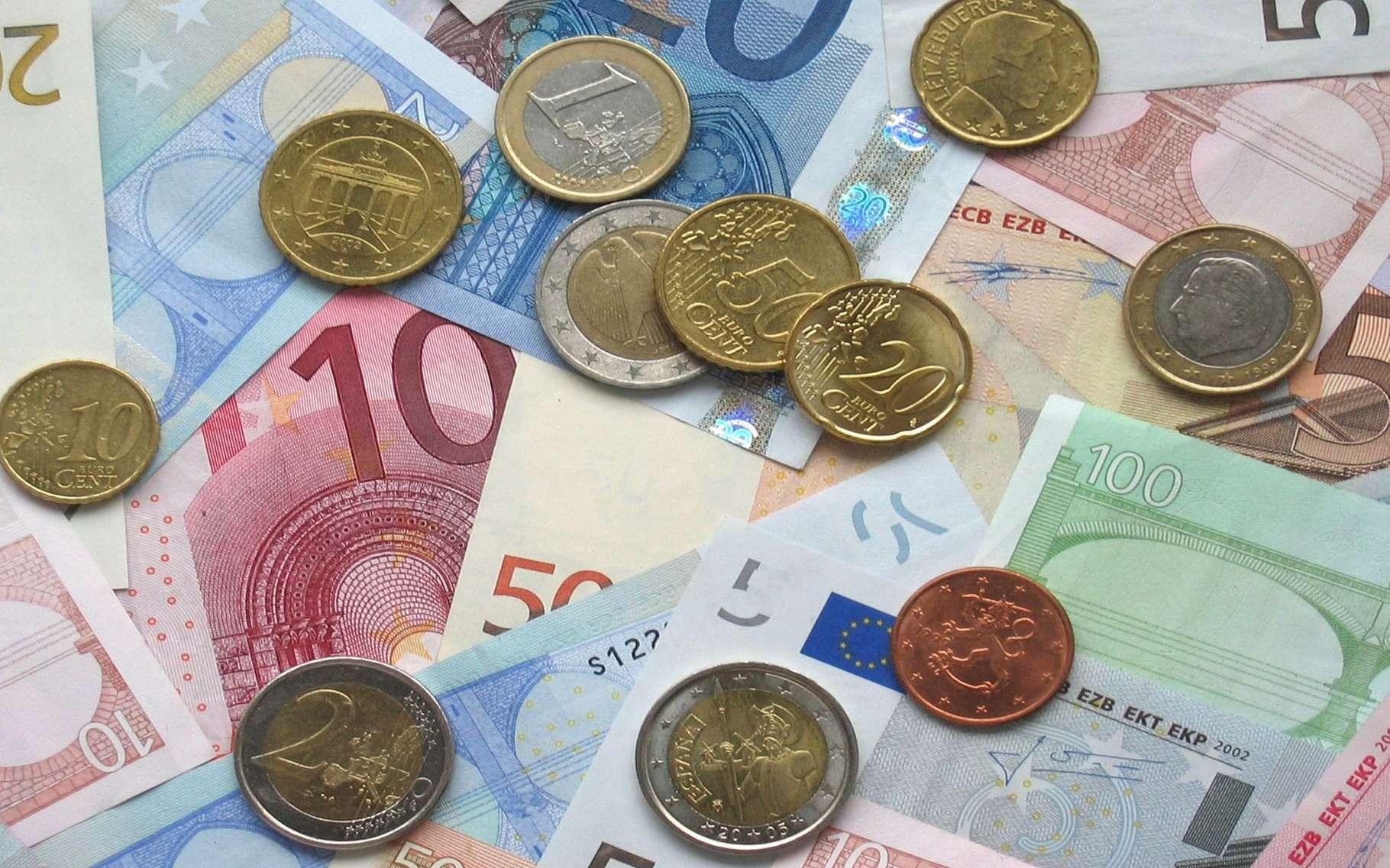 Nouveau jeu mathématique du professeur Lehning : l'euro manquant. © Janeb13, Pixabay, Domaine Public