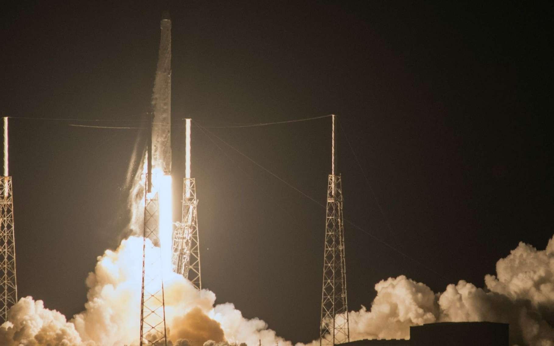 Décollage de la neuvième mission de ravitaillement de la Station spatiale sur les vingt qu'a commandées la Nasa à SpaceX dans le cadre du contrat Commercial Resupply Services. © SpaceX