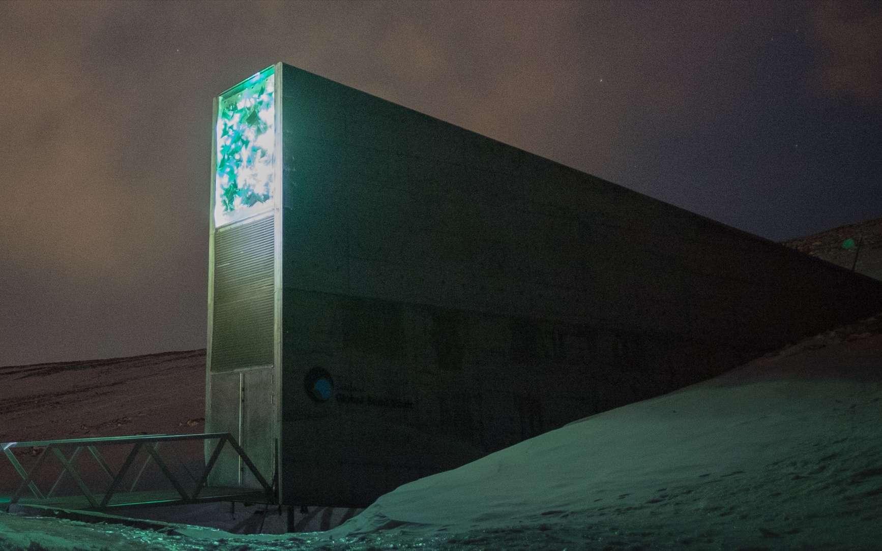 Le Svalbard Global Seed Vault, en Norgège, est la plus grosse réserve mondiale de semences. Cette Arche de Noé végétale est située à plus un millier de kilomètres du pôle Nord sur l'archipel du Svalbard. © Frode Ramone, Oslo, Norway, Wikimedia Commons, CC by-sa 2.0