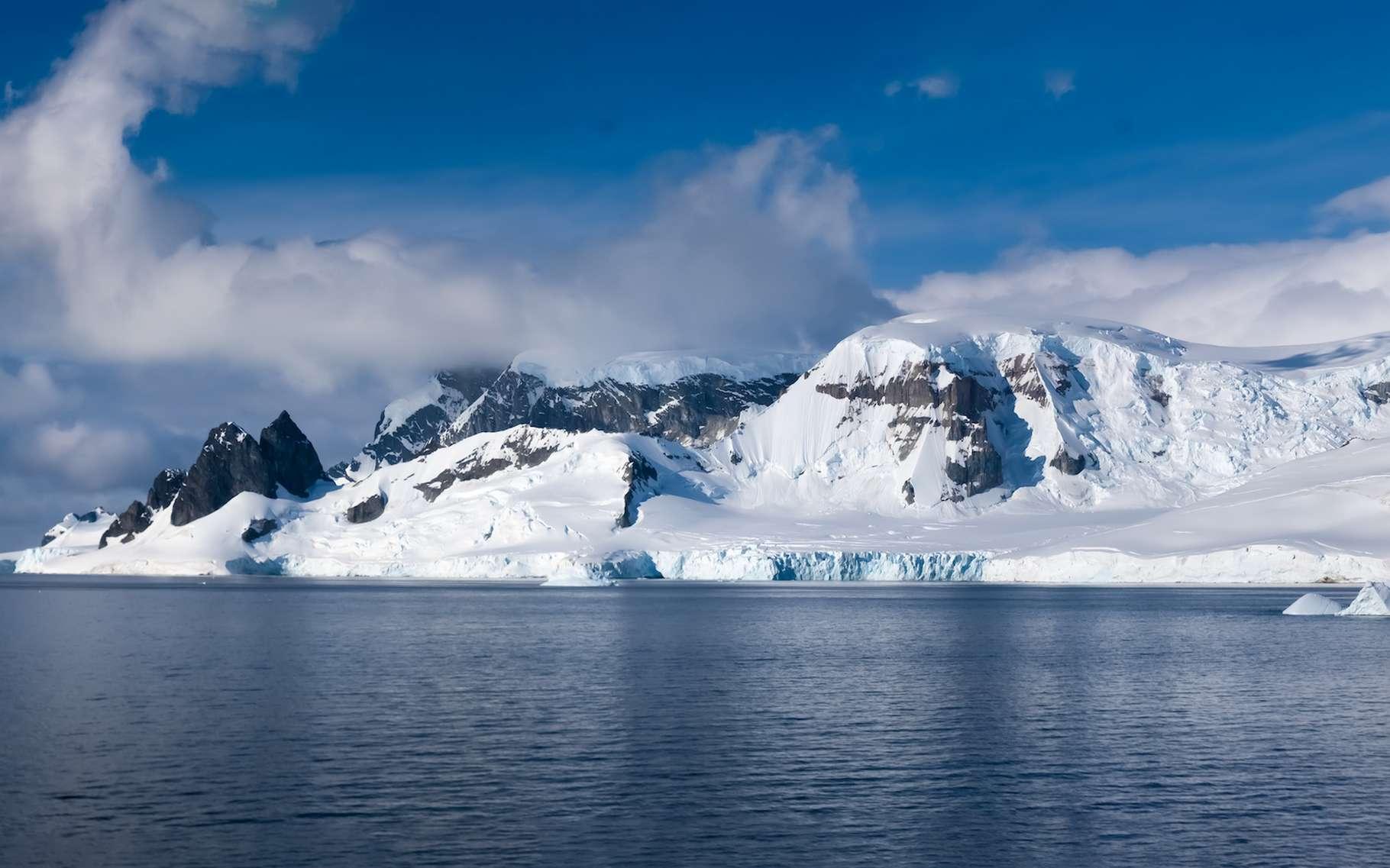L'Antarctique est assurément l'un des endroits les plus calmes au monde. © Luis, Adobe Stock