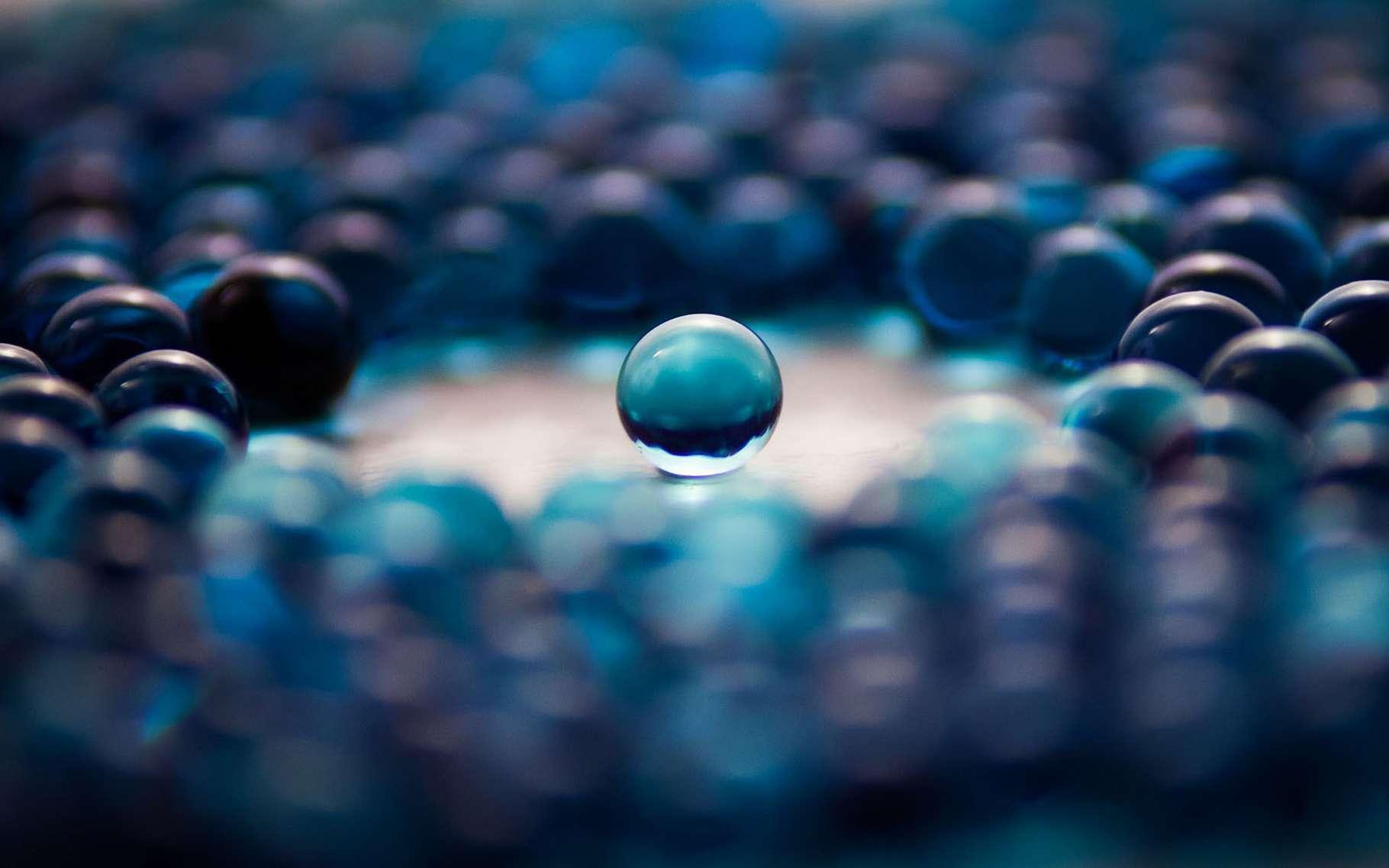 Le cubage de la sphère consiste à construire un cube de même volume qu'une sphère donnée... avec règle et compas. © Spitshire, Pixabay, DP
