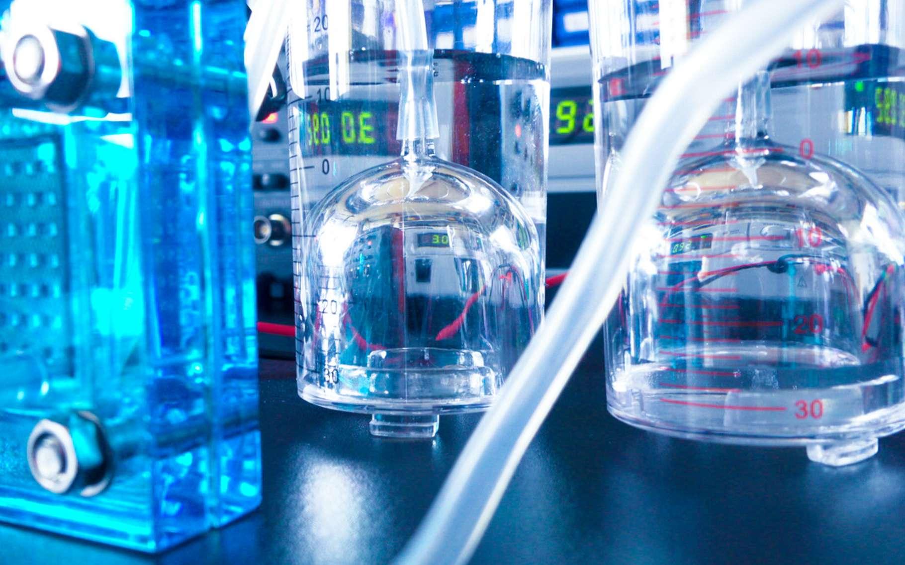 L'hydrogène peut être considéré comme une énergie propre à condition que sa production le soit grâce à une électrolyse de l'eau réalisée à partir d'électricité renouvelable, par exemple. © science photo, Adobe Stock