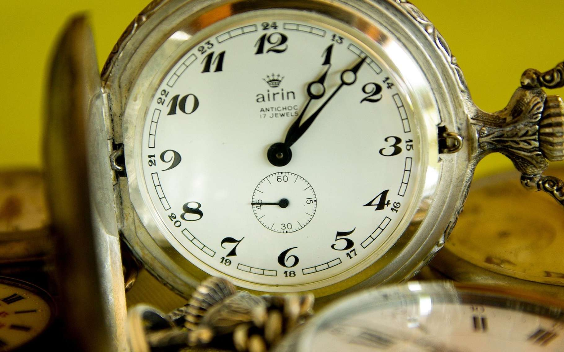 Depuis toujours, les aiguilles de nos montres tournent dans un sens, adopté par convention, qui est hérité du parcours du Soleil dans le ciel de l'hémisphère nord. © jackmac34, Pixabay, DP