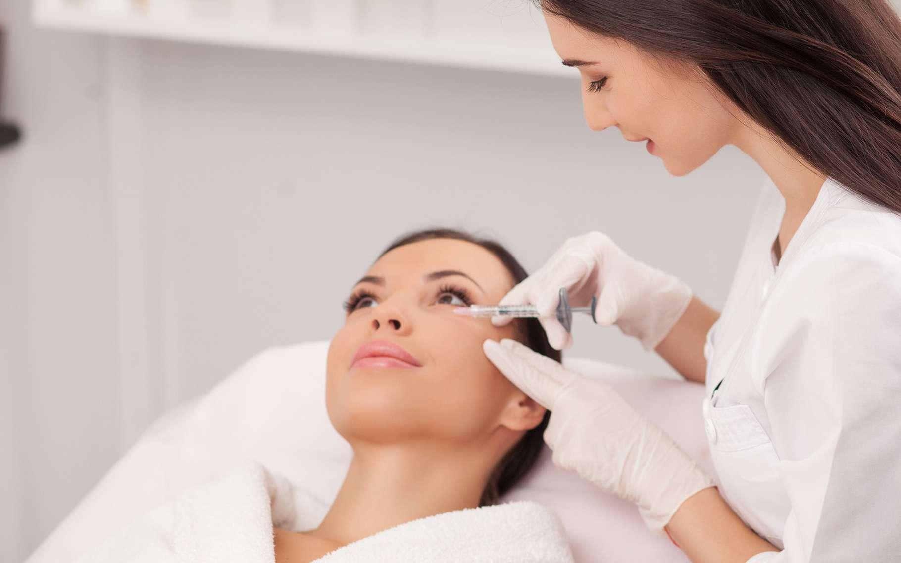 L'acide hyaluronique est notamment employé en cosmétique pour lutter contre les rides. © Olena Yakobchuk, Shutterstock