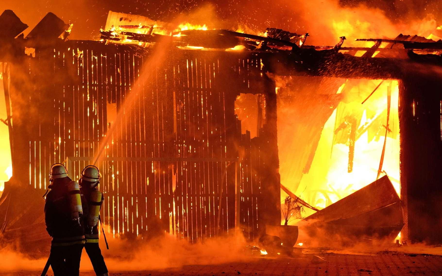 Les conséquences d'un accident industriel peuvent être classées en trois grandes catégories : les effets thermiques, les effets mécaniques et les effets toxiques. © NEWS&ART, Fotolia