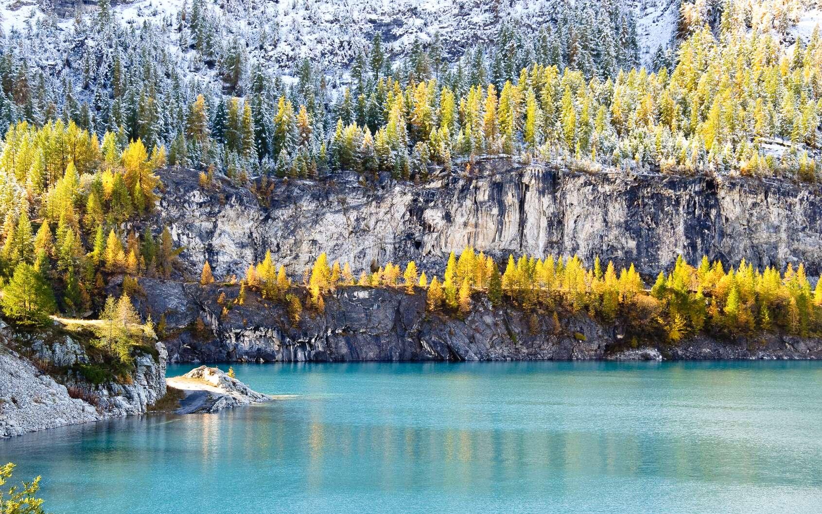 Le lac du Chevril, à Tignes, en pleine région écotouristique. © macumazahn, fotolia