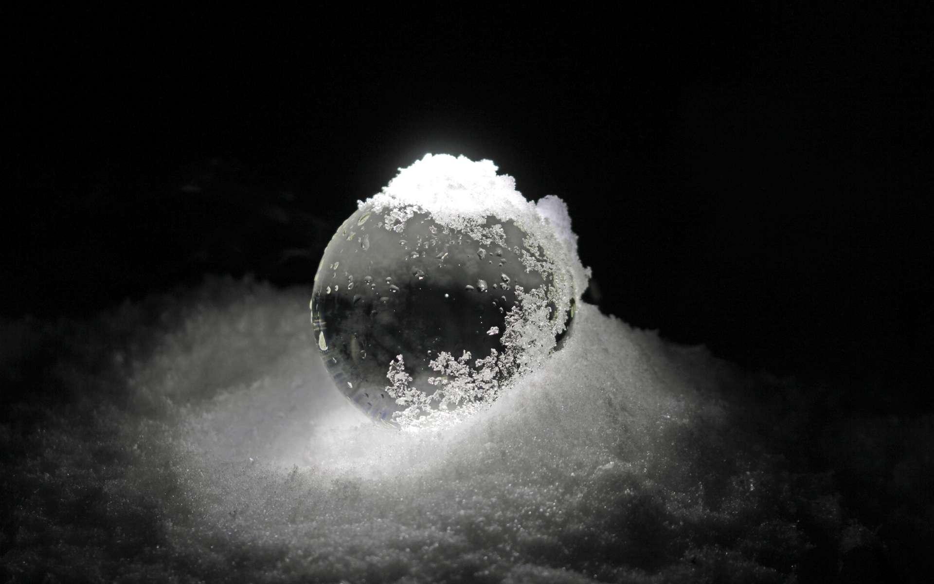 Selon l'hypothèse de la Terre boule de glace, notre Planète aurait été presque entièrement glacée à trois reprises. © TwilightArtPictures, Adobe Stock
