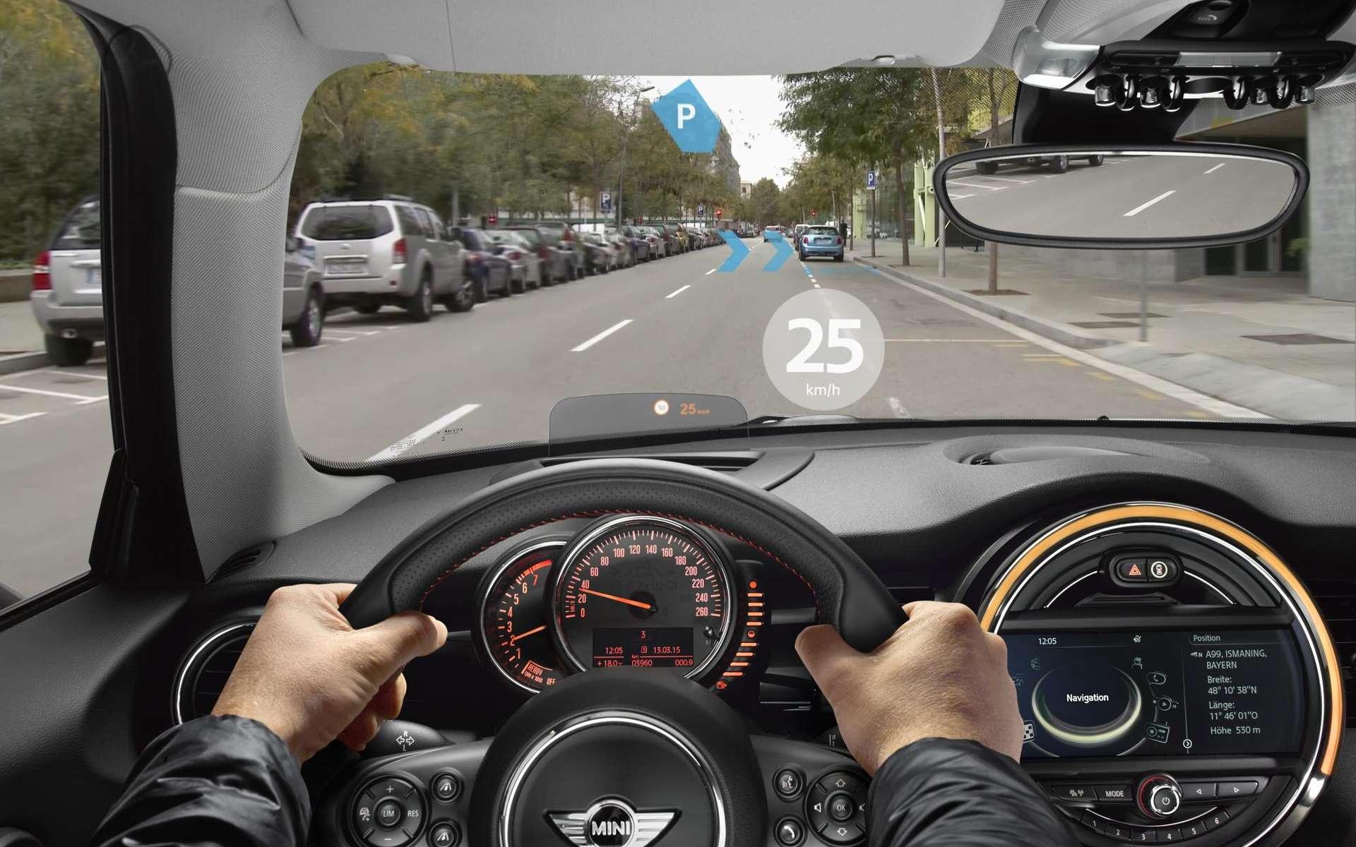 Les lunettes Mini Augmented Vision proposent un affichage tête haute du tableau de bord. © Mini