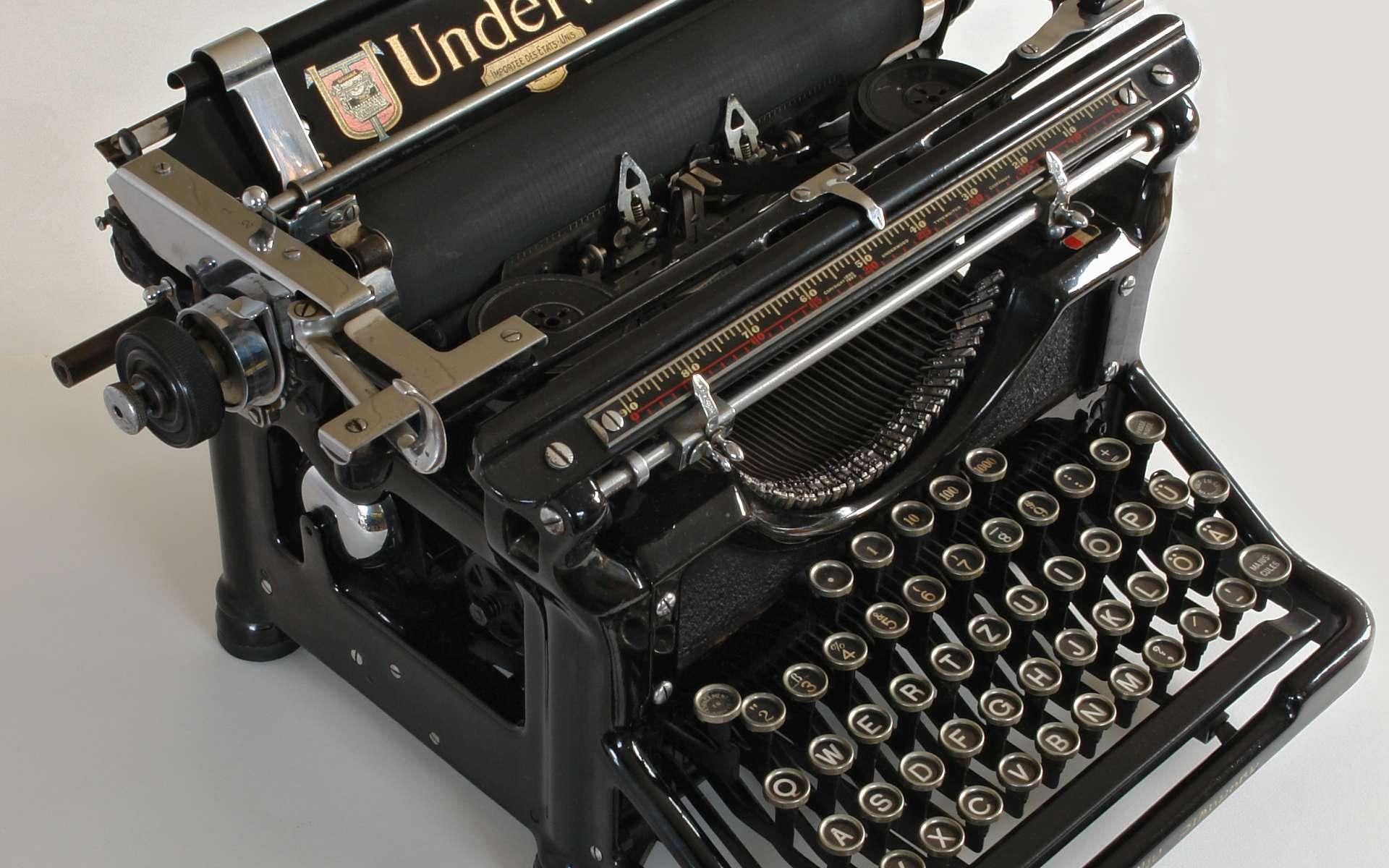 La machine à écrire se collectionne, on est alors un mécascriptophile. © self, CC BY-SA 3.0, Wikimédia Commons